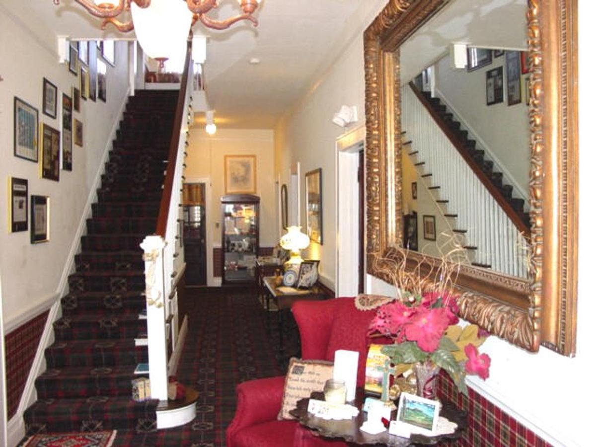 the-inn-of-the-patriots-bed-and-breakfast-hotel-in-the-countryside-of-charlotte-north-carolina-3.jpg