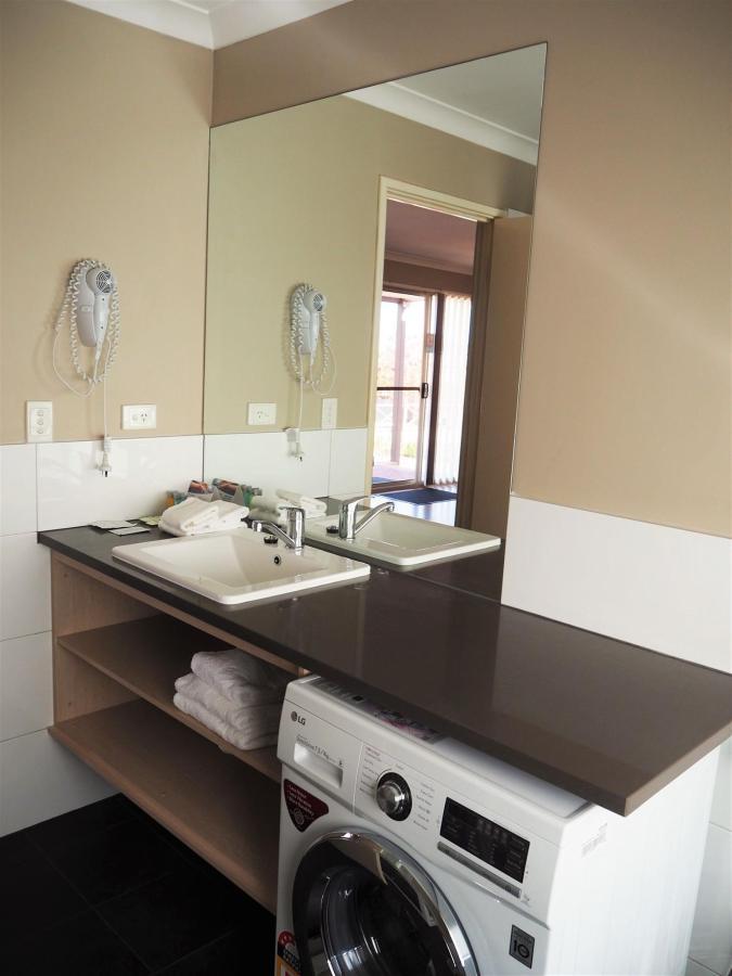 washer-dryer-bathroom-1.JPG