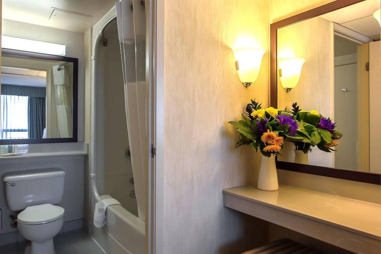 onsuite-bathroom-area-1.jpg.1024x0.jpg
