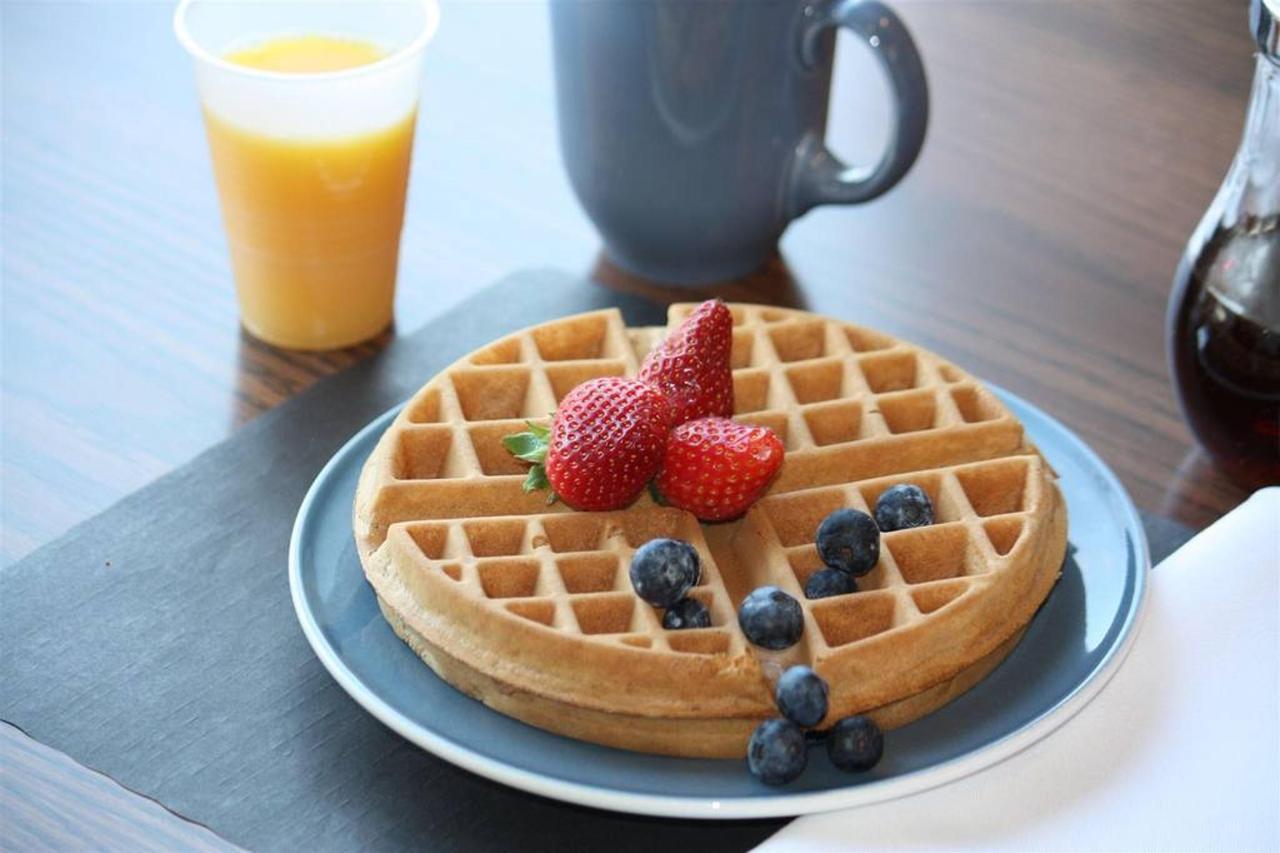 delicious-fresh-waffles.JPG.1024x0.JPG