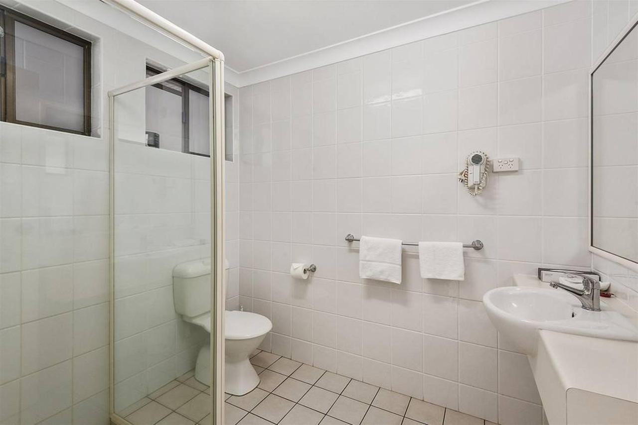 queen-suite-gv_bathroom-1.jpg.1024x0.jpg