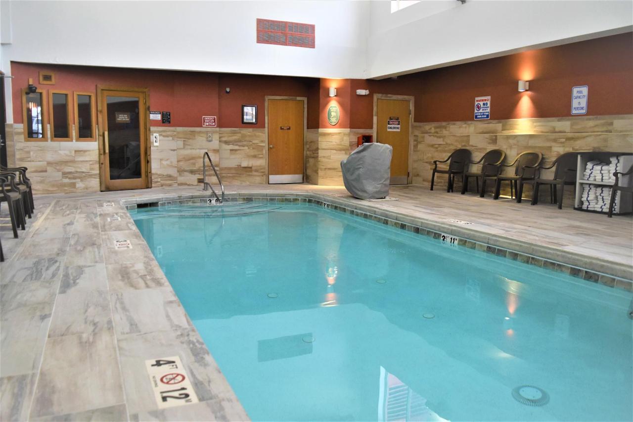 Pool picture 3.jpg