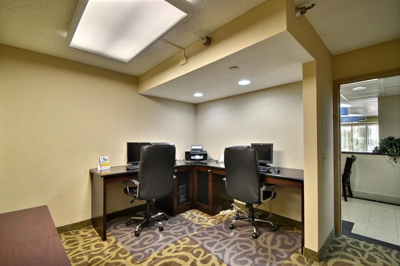 _FLC09_Business_Center3 HD.jpg