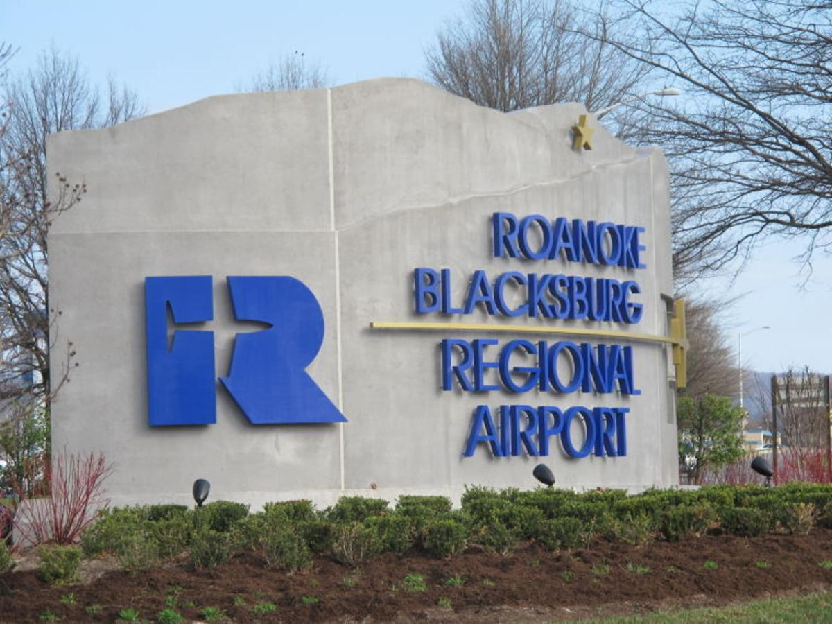 Roanoke Airport.jpg