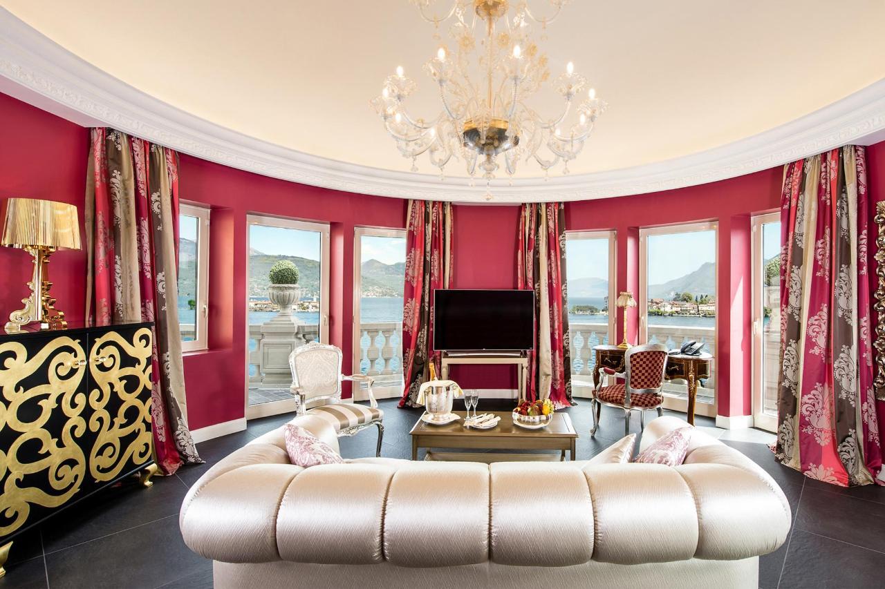 La Borromea Suite lake view - living copia.jpg