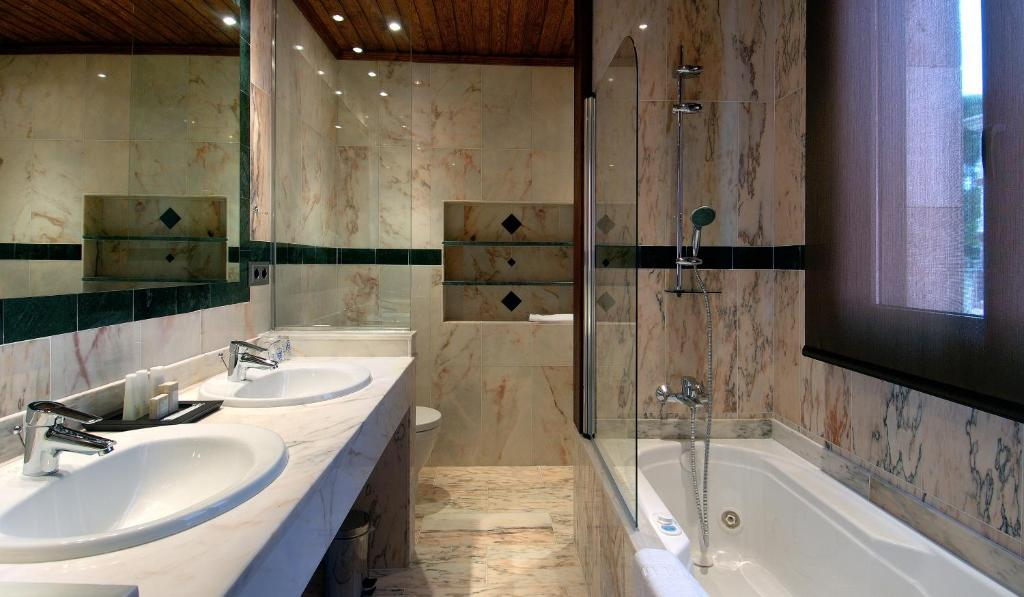 boutique hotels in girona  215
