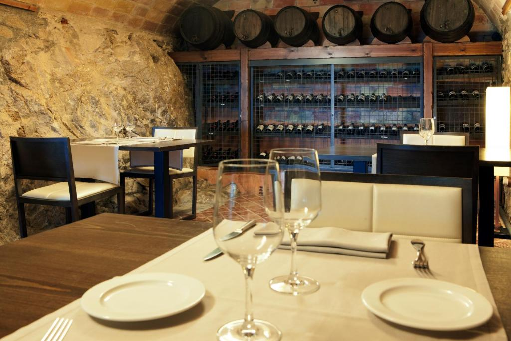 boutique hotels in girona  186