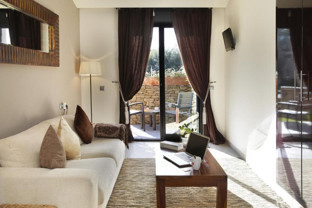 boutique hotels in girona  386