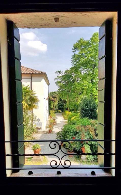 <div data-et-view=NAFQCDCcdXDPdFO:1</div Villa Pollini