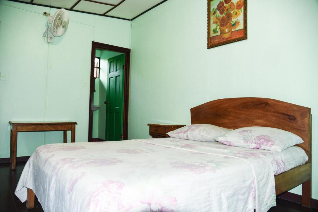 Camera Matrimoniale Doppia Con Letti Singoli.Hotel Marielos Sito Ufficiale Hotel A Tamarindo