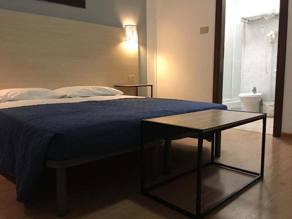Camera Matrimoniale Doppia Con Letti Singoli.Hotel Alabarda Sito Ufficiale Hotel A Trieste