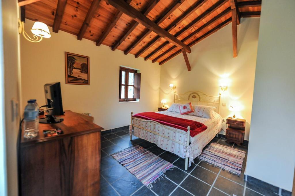 Camera Matrimoniale Doppia Con Letti Singoli.Quinta Da Rabacosa Turismo Rural Sito Ufficiale Agriturismi A