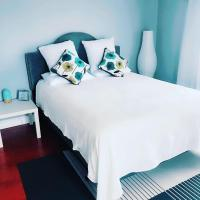 Cosy guest house room in front bay