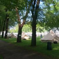 MONZA CAMPING </h2 <div class=sr-card__item sr-card__item--badges <div style=padding: 2px 0    </div </div <div class=sr-card__item   data-ga-track=click data-ga-category=SR Card Click data-ga-action=Hotel location data-ga-label=book_window: 10 day(s)  <svg alt=Posizione della struttura class=bk-icon -iconset-geo_pin sr_svg__card_icon height=12 width=12<use xlink:href=#icon-iconset-geo_pin</use</svg <div class= sr-card__item__content   , Monza • a   da Centro di Como </div </div </div <div class= sr-card__price m_sr_card__price_with_unit_name  data-et-view=  OMOQcUFDCXSWAbDZAWe:1    <div class=m_sr_card__price_unit_name m_sr_card__price_small </div <div data-et-view=OMeRQWNdbLGMGcZUYaTTDPdVO:3</div <div data-et-view=OMeRQWNdbLGMGcZUYaTTDPdVO:9</div    <div class=sr_price_wrap   sr_simple_card_price--include-free-cancelation   data-et-view=      <span class=sr-card__price-cheapest  data-ga-track=click data-ga-category=SR Card Click data-ga-action=Hotel price data-ga-label=book_window: 10 day(s)   TL 137 </span  </div       <div class=prd-taxes-and-fees-under-price  blockuid- charges-type-2 data-excl-charges-raw=19.64 data-cur-stage=2  + TL 20 di tasse e costi  </div     <div class=breakfast_included--constructive u-font-weight:bold </div  <p class=sr_simple_card_price_includes css-loading-hidden <span <span class=sr-card__item--strongCancellazione GRATUITA</span </span </p <p class=sr_simple_card_price_includes css-loading-hidden <span  <span class=u-display-block u-font-weight-boldNON SERVE ALCUN PAGAMENTO ANTICIPATO</span - paga in struttura  </span </p  </div </div </a </li <div data-et-view=cJaQWPWNEQEDSVWe:1</div <li id=hotel_3144966 data-is-in-favourites=0 data-hotel-id='3144966' class=sr-card sr-card--arrow bui-card bui-u-bleed@small js-sr-card m_sr_info_icons card-halved card-halved--active   <a href=/hotel/it/az-agr-cascina-moretta.it.html?label=gen173nr-1FCAQoggJCCmRpc3RyaWN0X1hIFFgEaOQBiAEBmAEUuAEYyAEF2AEB6AEB-AEDiAIBqAIEuAK8tq3oBcACAQ&sid=9f0b563d032d2c42c47944d698a81e22&all_sr_blocks=314496601_125243815_2_1_0&checkin=2019-06-30&checkout=2019-07-01&dest_type=district&hapos=3&highlighted_blocks=314496601_125243815_2_1_0&hpos=3&nflt=pri%3D&sr_order=price&srepoch=1561025340&srpvid=9667475ee44e036a&ucfs=1&matching_block_id=314496601_125243815_2_0_0&ref_is_wl=1&srhp=1 target=_blank class=sr-card__row bui-card__content aria-label=  Az.Agr.Cascina Moretta,  Punteggio di 6.7,  TL 154    <div class=sr-card__image js-sr_simple_card_hotel_image has-debolded-deal js-lazy-image sr-card__image--lazy data-src=https://r-fa.bstatic.com/xdata/images/hotel/square200/131550624.jpg?k=e3b5114cd9ecab38b74cb0fbb02f5f4192828a5506ffb8c0b372205adb5a724f&o=&s=1,https://q-fa.bstatic.com/xdata/images/hotel/max1024x768/131550624.jpg?k=d21ebee78e4daa3eb01f5468d34b6a4f76fe9c34f8fe3fc9eb4d9d92e54207e2&o=&s=1  <div class=sr-card__image-inner css-loading-hidden </div <noscript <div class=sr-card__image--nojs style=background-image: url('https://r-fa.bstatic.com/xdata/images/hotel/square200/131550624.jpg?k=e3b5114cd9ecab38b74cb0fbb02f5f4192828a5506ffb8c0b372205adb5a724f&o=&s=1')</div </noscript </div <div class=sr-card__details data-et-click=     <div class=sr-card_details__inner <h2 class=sr-card__name u-margin:0 u-padding:0 data-ga-track=click data-ga-category=SR Card Click data-ga-action=Hotel name data-ga-label=book_window: 10 day(s)  Az.Agr.Cascina Moretta </h2 <div class=sr-card__item sr-card__item--badges <div style=padding: 2px 0  <div class=bui-review-score c-score bui-review-score--smaller <div class=bui-review-score__badge aria-label=Punteggio di 6,7 6,7 </div <div class=bui-review-score__content <div class=bui-review-score__title Carino </div </div </div   </div </div <div class=sr-card__item   data-ga-track=click data-ga-category=SR Card Click data-ga-action=Hotel location data-ga-label=book_window: 10 day(s)  <svg alt=Posizione della struttura class=bk-icon -iconset-geo_pin sr_svg__card_icon height=12 width=12<use xlink:href=#icon-iconset-geo_pin</use</svg <div class= sr-card__item__content   , Momo • a   da Centro di Como </div </div </div <div class= sr-card__price sr-card__price--urgency m_sr_card__price_with_unit_name  data-et-view=  OMOQcUFDCXSWAbDZAWe:1    <div class=m_sr_card__price_unit_name m_sr_card__price_small Appartamento con 1 Camera da Letto </div <div data-et-view=OMeRQWNdbLGMGcZUYaTTDPdVO:4</div <div data-et-view=OMeRQWNdbLGMGcZUYaTTDPdVO:6</div <div data-et-view=OMeRQWNdbLGMGcZUYaTTDPdVO:9</div    <div class=sr_price_wrap    data-et-view=      <span class=sr-card__price-cheapest  data-ga-track=click data-ga-category=SR Card Click data-ga-action=Hotel price data-ga-label=book_window: 10 day(s)   TL 154 </span  </div       <div class=prd-taxes-and-fees-under-price  blockuid- charges-type-2 data-excl-charges-raw=130.9 data-cur-stage=2  + TL 131 di tasse e costi  </div     <p class=urgency_price   <span class=sr_simple_card_price_from sr_simple_card_price_includes--text data-ga-track=click data-ga-category=SR Card Click data-ga-action=Hotel price persuasion data-ga-label=book_window: 10 day(s) data-et-view=   Ce ne rimane solo <span class=sr-card__item--strong1</span! </span </p <div class=breakfast_included--constructive u-font-weight:bold Colazione inclusa </div </div </div </a </li <div data-et-view=cJaQWPWNEQEDSVWe:1</div <li id=hotel_573191 data-is-in-favourites=0 data-hotel-id='573191' class=sr-card sr-card--arrow bui-card bui-u-bleed@small js-sr-card m_sr_info_icons card-halved card-halved--active   <a href=/hotel/it/bb-insquare.it.html?label=gen173nr-1FCAQoggJCCmRpc3RyaWN0X1hIFFgEaOQBiAEBmAEUuAEYyAEF2AEB6AEB-AEDiAIBqAIEuAK8tq3oBcACAQ&sid=9f0b563d032d2c42c47944d698a81e22&all_sr_blocks=57319101_88175067_0_0_0&checkin=2019-06-30&checkout=2019-07-01&dest_type=district&hapos=4&highlighted_blocks=57319101_88175067_0_0_0&hpos=4&nflt=pri%3D&sr_order=price&srepoch=1561025340&srpvid=9667475ee44e036a&ucfs=1&matching_block_id=57319101_88175067_2_0_0&has_campaign_deals_getaway19_customer_label=1&ref_is_wl=1&srhp=1 target=_blank class=sr-card__row bui-card__content aria-label=  Rent InSquare,  Punteggio di 5.8,  TL 194    <div class=sr-card__image js-sr_simple_card_hotel_image has-debolded-deal js-lazy-image sr-card__image--lazy data-src=https://q-fa.bstatic.com/xdata/images/hotel/square200/115225840.jpg?k=9bdb40103028bcfdb735488480a239ee86096425a042f710ae1176c8f99089ce&o=&s=1,https://q-fa.bstatic.com/xdata/images/hotel/max1024x768/115225840.jpg?k=5cb2944940e007deef609ef33e255876ab91783d9c0ab01b031aca4ec12cb4e0&o=&s=1  <div class=sr-card__image-inner css-loading-hidden <div  class= sr_simple_card--deal  sr_text_shadow  data-ga-track=click data-ga-category=SR Card Click data-ga-action=Bottom ribbon data-ga-label=book_window: 10 day(s)    Occasione di oggi </div </div <noscript <div class=sr-card__image--nojs style=background-image: url('https://q-fa.bstatic.com/xdata/images/hotel/square200/115225840.jpg?k=9bdb40103028bcfdb735488480a239ee86096425a042f710ae1176c8f99089ce&o=&s=1')</div </noscript </div <div class=sr-card__details data-et-click=     <div class=sr-card_details__inner <h2 class=sr-card__name u-margin:0 u-padding:0 data-ga-track=click data-ga-category=SR Card Click data-ga-action=Hotel name data-ga-label=book_window: 10 day(s)  Rent InSquare </h2 <div class=sr-card__item sr-card__item--badges <div style=padding: 2px 0  <div class=bui-review-score c-score bui-review-score--smaller <div class=bui-review-score__badge aria-label=Punteggio di 5,8 5,8 </div <div class=bui-review-score__content <div class=bui-review-score__title OK </div </div </div   </div </div <div class=bui-badge bui-badge--callout <spanOfferta Vacanze</span </div <div class=sr-card__item   data-ga-track=click data-ga-category=SR Card Click data-ga-action=Hotel location data-ga-label=book_window: 10 day(s)  <svg alt=Posizione della struttura class=bk-icon -iconset-geo_pin sr_svg__card_icon height=12 width=12<use xlink:href=#icon-iconset-geo_pin</use</svg <div class= sr-card__item__content   , Rho • a   da Centro di Como </div </div </div <div class= sr-card__price sr-card__price--urgency m_sr_card__price_with_unit_name  data-et-view=  OMOQcUFDCXSWAbDZAWe:1    <div class=m_sr_card__price_unit_name m_sr_card__price_small Camera Matrimoniale/Doppia con Letti Singoli con Bagno in Comune  </div <div data-et-view=OMeRQWNdbLGMGcZUYaTTDPdVO:6</div <div data-et-view=OMeRQWNdbLGMGcZUYaTTDPdVO:9</div    <div class=sr_price_wrap    data-et-view=      <span class=sr-card__price-cheapest  data-ga-track=click data-ga-category=SR Card Click data-ga-action=Hotel price data-ga-label=book_window: 10 day(s)   TL 194 </span  </div       <div class=prd-taxes-and-fees-under-price  blockuid- charges-type-2 data-excl-charges-raw=143.99 data-cur-stage=2  + TL 144 di tasse e costi  </div     <p class=urgency_price   <span class=sr_simple_card_price_from sr_simple_card_price_includes--text data-ga-track=click data-ga-category=SR Card Click data-ga-action=Hotel price persuasion data-ga-label=book_window: 10 day(s) data-et-view=   <span class=sr-card__item--strongNe rimangono solo 2</span! </span </p <div class=breakfast_included--constructive u-font-weight:bold </div </div </div </a </li <div data-et-view=cJaQWPWNEQEDSVWe:1</div <li id=hotel_4019039 data-is-in-favourites=0 data-hotel-id='4019039' class=sr-card sr-card--arrow bui-card bui-u-bleed@small js-sr-card m_sr_info_icons card-halved card-halved--active   <a href=/hotel/it/residenza-odescalchi.it.html?label=gen173nr-1FCAQoggJCCmRpc3RyaWN0X1hIFFgEaOQBiAEBmAEUuAEYyAEF2AEB6AEB-AEDiAIBqAIEuAK8tq3oBcACAQ&sid=9f0b563d032d2c42c47944d698a81e22&all_sr_blocks=401903902_177486990_2_0_0&checkin=2019-06-30&checkout=2019-07-01&dest_type=district&hapos=5&highlighted_blocks=401903902_177486990_2_0_0&hpos=5&nflt=pri%3D&sr_order=price&srepoch=1561025340&srpvid=9667475ee44e036a&ucfs=1&bhgwe_cep=1&bhgwe_bhr=1&matching_block_id=401903902_177486990_2_0_0&srhp=1&ref_is_wl=1 target=_blank class=sr-card__row bui-card__content aria-label=  Residenza Odescalchi,  Punteggio di 7.9,  TL 196    <div class=sr-card__image js-sr_simple_card_hotel_image has-debolded-deal js-lazy-image sr-card__image--lazy data-src=https://r-fa.bstatic.com/xdata/images/hotel/square200/159821165.jpg?k=acc43c597596f633db81457f97add4a37bed09c4bfc3b4b8f81befe071c0a8ec&o=&s=1,https://r-fa.bstatic.com/xdata/images/hotel/max1024x768/159821165.jpg?k=40b72b6c29212ef9ca3fdfae4da841742ca09f76c29c947d0af3b56b36b30233&o=&s=1  <div class=sr-card__image-inner css-loading-hidden </div <noscript <div class=sr-card__image--nojs style=background-image: url('https://r-fa.bstatic.com/xdata/images/hotel/square200/159821165.jpg?k=acc43c597596f633db81457f97add4a37bed09c4bfc3b4b8f81befe071c0a8ec&o=&s=1')</div </noscript </div <div class=sr-card__details data-et-click=     <div class=sr-card_details__inner <div data-et-view=NAFQICFHUeUEBEbOMFcZSGNVBUKcTKe:1</div <h2 class=sr-card__name u-margin:0 u-padding:0 data-ga-track=click data-ga-category=SR Card Click data-ga-action=Hotel name data-ga-label=book_window: 10 day(s)  Residenza Odescalchi </h2 <div class=sr-card__item sr-card__item--badges <div class= sr-card__badge sr-card__badge--class u-margin:0  data-ga-track=click data-ga-category=SR Card Click data-ga-action=Hotel rating data-ga-label=book_window: 10 day(s)  <span class=bh-quality-bars bh-quality-bars--small  data-et-click=customGoal:NAFQOeaLQeUYCSJabJNCRbQfXJOOIBBO:4  <svg class=bk-icon -iconset-square_rating fill=#FEBB02 height=16 width=16<use xlink:href=#icon-iconset-square_rating</use</svg<svg class=bk-icon -iconset-square_rating fill=#FEBB02 height=16 width=16<use xlink:href=#icon-iconset-square_rating</use</svg<svg class=bk-icon -iconset-square_rating fill=#FEBB02 height=16 width=16<use xlink:href=#icon-iconset-square_rating</use</svg </span </div   <div style=padding: 2px 0  <div class=bui-review-score c-score bui-review-score--smaller <div class=bui-review-score__badge aria-label=Punteggio di 7,9 7,9 </div <div class=bui-review-score__content <div class=bui-review-score__title Buono </div </div </div   </div </div <div class=c-unit-configuration  <div class=c-unit-configuration--dots c-unit-configuration--bolder 1 camera da letto • <span class=c-unit-configuration__item1 zona giorno</span • <span class=c-unit-configuration__item1 letto</span </div </div <div class=sr-card__item   data-ga-track=click data-ga-category=SR Card Click data-ga-action=Hotel location data-ga-label=book_window: 10 day(s)  <svg alt=Posizione della struttura class=bk-icon -iconset-geo_pin sr_svg__card_icon height=12 width=12<use xlink:href=#icon-iconset-geo_pin</use</svg <div class= sr-card__item__content   Centro di Como </div </div </div <div class= sr-card__price m_sr_card__price_with_unit_name  data-et-view=  OMOQcUFDCXSWAbDZAWe:1    <div class=m_sr_card__price_unit_name m_sr_card__price_small Appartamento Monolocale </div <div data-et-view=OMeRQWNdbLGMGcZUYaTTDPdVO:6</div <div data-et-view=OMeRQWNdbLGMGcZUYaTTDPdVO:9</div    <div class=sr_price_wrap   sr_simple_card_price--include-free-cancelation   data-et-view=      <span class=sr-card__price-cheapest  data-ga-track=click data-ga-category=SR Card Click data-ga-action=Hotel price data-ga-label=book_window: 10 day(s)   TL 196 </span  </div       <div class=prd-taxes-and-fees-under-price  blockuid- charges-type-2 data-excl-charges-raw=287.98 data-cur-stage=2  + TL 288 di tasse e costi  </div     <p class=urgency_price   <span class=sr_simple_card_price_from sr_simple_card_price_includes--text data-ga-track=click data-ga-category=SR Card Click data-ga-action=Hotel price persuasion data-ga-label=book_window: 10 day(s) data-et-view=   Ce ne rimane solo <span class=sr-card__item--strong1</span! </span </p <div class=breakfast_included--constructive u-font-weight:bold </div <p class=sr_simple_card_price_includes css-loading-hidden <span Cancellazione <span class=sr-card__item--strongGRATUITA</span </span </p </div </div </a </li <div data-et-view=cJaQWPWNEQEDSVWe:1</div <li id=hotel_4665763 data-is-in-favourites=0 data-hotel-id='4665763' class=sr-card sr-card--arrow bui-card bui-u-bleed@small js-sr-card m_sr_info_icons card-halved card-halved--active   <a href=/hotel/it/casa-santa-monica.it.html?label=gen173nr-1FCAQoggJCCmRpc3RyaWN0X1hIFFgEaOQBiAEBmAEUuAEYyAEF2AEB6AEB-AEDiAIBqAIEuAK8tq3oBcACAQ&sid=9f0b563d032d2c42c47944d698a81e22&all_sr_blocks=466576301_182350315_2_1_0&checkin=2019-06-30&checkout=2019-07-01&dest_type=district&hapos=6&highlighted_blocks=466576301_182350315_2_1_0&hpos=6&nflt=pri%3D&sr_order=price&srepoch=1561025340&srpvid=9667475ee44e036a&ucfs=1&matching_block_id=466576301_182350315_2_0_0&srhp=1&ref_is_wl=1 target=_blank class=sr-card__row bui-card__content data-et-click=customGoal:NAREFcMEbFeceMaNCTYAKe:4 aria-label=  Casa Santa Monica,  TL 196    <div class=sr-card__image js-sr_simple_card_hotel_image has-debolded-deal js-lazy-image sr-card__image--lazy data-src=https://r-fa.bstatic.com/xdata/images/hotel/square200/186548156.jpg?k=99c18daebecca2d0499703216fd280686adaf88550413dcbb27e1817730ccc57&o=&s=1,https://q-fa.bstatic.com/xdata/images/hotel/max1024x768/186548156.jpg?k=af96a6ef679afdc28d4b96d114e1dfa32d25f0fdaaa37d9113e5eca59de22447&o=&s=1  <div class=sr-card__image-inner css-loading-hidden </div <noscript <div class=sr-card__image--nojs style=background-image: url('https://r-fa.bstatic.com/xdata/images/hotel/square200/186548156.jpg?k=99c18daebecca2d0499703216fd280686adaf88550413dcbb27e1817730ccc57&o=&s=1')</div </noscript </div <div class=sr-card__details data-et-click=     <div class=sr-card_details__inner <h2 class=sr-card__name u-margin:0 u-padding:0 data-ga-track=click data-ga-category=SR Card Click data-ga-action=Hotel name data-ga-label=book_window: 10 day(s)  Casa Santa Monica </h2 <div class=sr-card__item sr-card__item--badges <div style=padding: 2px 0    </div </div <div class=sr-card__item   data-ga-track=click data-ga-category=SR Card Click data-ga-action=Hotel location data-ga-label=book_window: 10 day(s)  <svg alt=Posizione della struttura class=bk-icon -iconset-geo_pin sr_svg__card_icon height=12 width=12<use xlink:href=#icon-iconset-geo_pin</use</svg <div class= sr-card__item__content   , Bollate • a   da Centro di Como </div </div </div <div class= sr-card__price m_sr_card__price_with_unit_name  data-et-view=  OMOQcUFDCXSWAbDZAWe:1    <div class=m_sr_card__price_unit_name m_sr_card__price_small Camera Matrimoniale </div <div data-et-view=OMeRQWNdbLGMGcZUYaTTDPdVO:1</div <div data-et-view=OMeRQWNdbLGMGcZUYaTTDPdVO:4</div <div data-et-view=OMeRQWNdbLGMGcZUYaTTDPdVO:6</div <div data-et-view=OMeRQWNdbLGMGcZUYaTTDPdVO:9</div    <div class=sr_price_wrap   sr_simple_card_price--include-free-cancelation   data-et-view=       <span class= sr-card__price-rack-rate  data-component=tooltip data-tooltip-text= data-deal-rack=rackrate data-discount=14 data-ga-track=click data-ga-category=SR Card Click data-ga-action=Rack rate data-ga-label=book_window: 10 day(s)  TL 229 </span   <span class=sr-card__price-cheapest  data-ga-track=click data-ga-category=SR Card Click data-ga-action=Hotel price data-ga-label=book_window: 10 day(s)   TL 196 </span  </div       <div class=prd-taxes-and-fees-under-price  blockuid- charges-type-2 data-excl-charges-raw=163.63 data-cur-stage=2  + TL 164 di tasse e costi  </div     <p class=urgency_price   <span class=sr_simple_card_price_from sr_simple_card_price_includes--text data-ga-track=click data-ga-category=SR Card Click data-ga-action=Hotel price persuasion data-ga-label=book_window: 10 day(s) data-et-view=   Ce ne rimane solo <span class=sr-card__item--strong1</span! </span </p <div class=breakfast_included--constructive u-font-weight:bold Colazione inclusa </div <p class=sr_simple_card_price_includes css-loading-hidden <span Cancellazione <span class=sr-card__item--strongGRATUITA</span </span </p </div </div </a </li <div data-et-view=cJaQWPWNEQEDSVWe:1</div <li id=hotel_5061882 data-is-in-favourites=0 data-hotel-id='5061882' class=sr-card sr-card--arrow bui-card bui-u-bleed@small js-sr-card m_sr_info_icons card-halved card-halved--active   <a href=/hotel/it/microappartamento-beppe.it.html?label=gen173nr-1FCAQoggJCCmRpc3RyaWN0X1hIFFgEaOQBiAEBmAEUuAEYyAEF2AEB6AEB-AEDiAIBqAIEuAK8tq3oBcACAQ&sid=9f0b563d032d2c42c47944d698a81e22&all_sr_blocks=506188201_174457983_2_0_0&checkin=2019-06-30&checkout=2019-07-01&dest_type=district&hapos=7&highlighted_blocks=506188201_174457983_2_0_0&hpos=7&nflt=pri%3D&sr_order=price&srepoch=1561025340&srpvid=9667475ee44e036a&ucfs=1&bhgwe_cep=1&bhgwe_bhr=1&matching_block_id=506188201_174457983_2_0_0&srhp=1&ref_is_wl=1 target=_blank class=sr-card__row bui-card__content aria-label=  Microappartamento beppe,  TL 196    <div class=sr-card__image js-sr_simple_card_hotel_image has-debolded-deal js-lazy-image sr-card__image--lazy data-src=https://q-fa.bstatic.com/xdata/images/hotel/square200/198309609.jpg?k=471a6dc3242da57b1ffa6e8e025f2a513f38b0e52b7ba7bd45abdef76d9bfea7&o=&s=1,https://q-fa.bstatic.com/xdata/images/hotel/max1024x768/198309609.jpg?k=3b5a7fb9ecbf477545a61698873a5dfb1d0e1cb17dde1f4d0ab747f782602e86&o=&s=1  <div class=sr-card__image-inner css-loading-hidden </div <noscript <div class=sr-card__image--nojs style=background-image: url('https://q-fa.bstatic.com/xdata/images/hotel/square200/198309609.jpg?k=471a6dc3242da57b1ffa6e8e025f2a513f38b0e52b7ba7bd45abdef76d9bfea7&o=&s=1')</div </noscript </div <div class=sr-card__details data-et-click=     <div class=sr-card_details__inner <div data-et-view=NAFQICFHUeUEBEbOMFcZSGNVBUKcTKe:1</div <h2 class=sr-card__name u-margin:0 u-padding:0 data-ga-track=click data-ga-category=SR Card Click data-ga-action=Hotel name data-ga-label=book_window: 10 day(s)  Microappartamento beppe </h2 <div class=sr-card__item sr-card__item--badges <div style=padding: 2px 0    </div </div <div class=c-unit-configuration  <div class=c-unit-configuration--dots c-unit-configuration--bolder 1 camera da letto • <span class=c-unit-configuration__item1 zona giorno</span • <span class=c-unit-configuration__item1 letto</span </div </div <div class=sr-card__item   data-ga-track=click data-ga-category=SR Card Click data-ga-action=Hotel location data-ga-label=book_window: 10 day(s)  <svg alt=Posizione della struttura class=bk-icon -iconset-geo_pin sr_svg__card_icon height=12 width=12<use xlink:href=#icon-iconset-geo_pin</use</svg <div class= sr-card__item__content   , Carenno • a   da Centro di Como </div </div </div <div class= sr-card__price m_sr_card__price_with_unit_name  data-et-view=  OMOQcUFDCXSWAbDZAWe:1    <div class=m_sr_card__price_unit_name m_sr_card__price_small Appartamento Monolocale </div <div data-et-view=OMeRQWNdbLGMGcZUYaTTDPdVO:6</div <div data-et-view=OMeRQWNdbLGMGcZUYaTTDPdVO:9</div    <div class=sr_price_wrap   sr_simple_card_price--include-free-cancelation   data-et-view=      <span class=sr-card__price-cheapest  data-ga-track=click data-ga-category=SR Card Click data-ga-action=Hotel price data-ga-label=book_window: 10 day(s)   TL 196 </span  </div       <div class=prd-taxes-and-fees-under-price  blockuid- charges-type-1 data-excl-charges-raw= data-cur-stage=1  include tasse e costi </div     <p class=urgency_price   <span class=sr_simple_card_price_from sr_simple_card_price_includes--text data-ga-track=click data-ga-category=SR Card Click data-ga-action=Hotel price persuasion data-ga-label=book_window: 10 day(s) data-et-view=   Ce ne rimane solo <span class=sr-card__item--strong1</span! </span </p <div class=breakfast_included--constructive u-font-weight:bold </div <p class=sr_simple_card_price_includes css-loading-hidden <span Cancellazione <span class=sr-card__item--strongGRATUITA</span </span </p </div </div </a </li <div data-et-view=cJaQWPWNEQEDSVWe:1</div <li id=hotel_2213919 data-is-in-favourites=0 data-hotel-id='2213919' class=sr-card sr-card--arrow bui-card bui-u-bleed@small js-sr-card m_sr_info_icons card-halved card-halved--active   <a href=/hotel/ch/lugano-besso.it.html?label=gen173nr-1FCAQoggJCCmRpc3RyaWN0X1hIFFgEaOQBiAEBmAEUuAEYyAEF2AEB6AEB-AEDiAIBqAIEuAK8tq3oBcACAQ&sid=9f0b563d032d2c42c47944d698a81e22&all_sr_blocks=221391901_179812456_2_0_0&checkin=2019-06-30&checkout=2019-07-01&dest_type=district&hapos=8&highlighted_blocks=221391901_179812456_2_0_0&hpos=8&nflt=pri%3D&sr_order=price&srepoch=1561025340&srpvid=9667475ee44e036a&ucfs=1&bhgwe_bhr=0&matching_block_id=221391901_179812456_2_0_0&srhp=1&ref_is_wl=1 target=_blank class=sr-card__row bui-card__content aria-label=  Apartment Canevascini,  Punteggio di 7.2,  TL 223    <div class=sr-card__image js-sr_simple_card_hotel_image has-debolded-deal js-lazy-image sr-card__image--lazy data-src=https://q-fa.bstatic.com/xdata/images/hotel/square200/107097647.jpg?k=33f1bee10e2e3ac71539f610cc70c9b43b0b69ebe8dc3df231f9eba1b34580e3&o=&s=1,https://r-fa.bstatic.com/xdata/images/hotel/max1024x768/107097647.jpg?k=6ec67742f88be769450e5aac94797ca3a9ae0a698a357a2f145926a07a4cda04&o=&s=1  <div class=sr-card__image-inner css-loading-hidden </div <noscript <div class=sr-card__image--nojs style=background-image: url('https://q-fa.bstatic.com/xdata/images/hotel/square200/107097647.jpg?k=33f1bee10e2e3ac71539f610cc70c9b43b0b69ebe8dc3df231f9eba1b34580e3&o=&s=1')</div </noscript </div <div class=sr-card__details data-et-click=     <div class=sr-card_details__inner <div data-et-view=NAFQICFHUeUEBEbOMFcZSGNVBUKcTKe:1</div <h2 class=sr-card__name u-margin:0 u-padding:0 data-ga-track=click data-ga-category=SR Card Click data-ga-action=Hotel name data-ga-label=book_window: 10 day(s)  Apartment Canevascini </h2 <div class=sr-card__item sr-card__item--badges <div class= sr-card__badge sr-card__badge--class u-margin:0  data-ga-track=click data-ga-category=SR Card Click data-ga-action=Hotel rating data-ga-label=book_window: 10 day(s)  <span class=bh-quality-bars bh-quality-bars--small  data-et-click=customGoal:NAFQOeaLQeUYCSJabJNCRbQfXJOOIBBO:4  <svg class=bk-icon -iconset-square_rating fill=#FEBB02 height=16 width=16<use xlink:href=#icon-iconset-square_rating</use</svg<svg class=bk-icon -iconset-square_rating fill=#FEBB02 height=16 width=16<use xlink:href=#icon-iconset-square_rating</use</svg<svg class=bk-icon -iconset-square_rating fill=#FEBB02 height=16 width=16<use xlink:href=#icon-iconset-square_rating</use</svg </span </div   <div style=padding: 2px 0  <div class=bui-review-score c-score bui-review-score--smaller <div class=bui-review-score__badge aria-label=Punteggio di 7,2 7,2 </div <div class=bui-review-score__content <div class=bui-review-score__title Buono </div </div </div   </div </div <div class=sr-card__item   data-ga-track=click data-ga-category=SR Card Click data-ga-action=Hotel location data-ga-label=book_window: 10 day(s)  <svg alt=Posizione della struttura class=bk-icon -iconset-geo_pin sr_svg__card_icon height=12 width=12<use xlink:href=#icon-iconset-geo_pin</use</svg <div class= sr-card__item__content   , Lugano • a   da Centro di Como </div </div </div <div class= sr-card__price m_sr_card__price_with_unit_name  data-et-view=  OMOQcUFDCXSWAbDZAWe:1    <div class=m_sr_card__price_unit_name m_sr_card__price_small Camera Matrimoniale con Bagno in Comune  </div <div data-et-view=OMeRQWNdbLGMGcZUYaTTDPdVO:1</div <div data-et-view=OMeRQWNdbLGMGcZUYaTTDPdVO:9</div    <div class=sr_price_wrap    data-et-view=       <span class= sr-card__price-rack-rate  data-component=tooltip data-tooltip-text= data-deal-rack=rackrate data-discount=34 data-ga-track=click data-ga-category=SR Card Click data-ga-action=Rack rate data-ga-label=book_window: 10 day(s)  TL 340 </span   <span class=sr-card__price-cheapest  data-ga-track=click data-ga-category=SR Card Click data-ga-action=Hotel price data-ga-label=book_window: 10 day(s)   TL 223 </span  </div       <div class=prd-taxes-and-fees-under-price  blockuid- charges-type-2 data-excl-charges-raw=152.41 data-cur-stage=2  + TL 152 di tasse e costi  </div     <div class=breakfast_included--constructive u-font-weight:bold </div </div </div </a </li <div data-et-view=cJaQWPWNEQEDSVWe:1</div <li id=hotel_1412365 data-is-in-favourites=0 data-hotel-id='1412365' class=sr-card sr-card--arrow bui-card bui-u-bleed@small js-sr-card m_sr_info_icons card-halved card-halved--active   <a href=/hotel/it/ostello-del-parco-di-cicogna.it.html?label=gen173nr-1FCAQoggJCCmRpc3RyaWN0X1hIFFgEaOQBiAEBmAEUuAEYyAEF2AEB6AEB-AEDiAIBqAIEuAK8tq3oBcACAQ&sid=9f0b563d032d2c42c47944d698a81e22&all_sr_blocks=141236503_87119883_2_0_0&checkin=2019-06-30&checkout=2019-07-01&dest_type=district&hapos=9&highlighted_blocks=141236503_87119883_2_0_0&hpos=9&nflt=pri%3D&sr_order=price&srepoch=1561025340&srpvid=9667475ee44e036a&ucfs=1&matching_block_id=141236503_87119883_2_0_0&has_campaign_deals_getaway19_customer_label=1&ref_is_wl=1&srhp=1 target=_blank class=sr-card__row bui-card__content aria-label=  Ostello del Parco di Cicogna,  Punteggio di 8.4,  TL 228    <div class=sr-card__image js-sr_simple_card_hotel_image has-debolded-deal js-lazy-image sr-card__image--lazy data-src=https://q-fa.bstatic.com/xdata/images/hotel/square200/195777813.jpg?k=8d28d01eff1dfdd49a1b4f3feed370ca11ea648b9ddbc062786b36277e9e1b76&o=&s=1,https://r-fa.bstatic.com/xdata/images/hotel/max1024x768/195777813.jpg?k=ed4f0c498b5f05eda4f4f7a31412900626c89cba539277521270a1731a5a2e98&o=&s=1  <div class=sr-card__image-inner css-loading-hidden </div <noscript <div class=sr-card__image--nojs style=background-image: url('https://q-fa.bstatic.com/xdata/images/hotel/square200/195777813.jpg?k=8d28d01eff1dfdd49a1b4f3feed370ca11ea648b9ddbc062786b36277e9e1b76&o=&s=1')</div </noscript </div <div class=sr-card__details data-et-click=     <div class=sr-card_details__inner <h2 class=sr-card__name u-margin:0 u-padding:0 data-ga-track=click data-ga-category=SR Card Click data-ga-action=Hotel name data-ga-label=book_window: 10 day(s)  Ostello del Parco di Cicogna </h2 <div class=sr-card__item sr-card__item--badges <div style=padding: 2px 0  <div class=bui-review-score c-score bui-review-score--smaller <div class=bui-review-score__badge aria-label=Punteggio di 8,4 8,4 </div <div class=bui-review-score__content <div class=bui-review-score__title Ottimo </div </div </div   </div </div <div class=bui-badge bui-badge--callout <spanOfferta Vacanze</span </div <div class=sr-card__item   data-ga-track=click data-ga-category=SR Card Click data-ga-action=Hotel location data-ga-label=book_window: 10 day(s)  <svg alt=Posizione della struttura class=bk-icon -iconset-geo_pin sr_svg__card_icon height=12 width=12<use xlink:href=#icon-iconset-geo_pin</use</svg <div class= sr-card__item__content   , Cicogna • a   da Centro di Como </div </div </div <div class= sr-card__price sr-card__price--urgency m_sr_card__price_with_unit_name  data-et-view=  OMOQcUFDCXSWAbDZAWe:1    <div class=m_sr_card__price_unit_name m_sr_card__price_small Camera Standard Doppia con Letti Singoli con Bagno in Comune </div <div data-et-view=OMeRQWNdbLGMGcZUYaTTDPdVO:6</div <div data-et-view=OMeRQWNdbLGMGcZUYaTTDPdVO:9</div    <div class=sr_price_wrap    data-et-view=      <span class=sr-card__price-cheapest  data-ga-track=click data-ga-category=SR Card Click data-ga-action=Hotel price data-ga-label=book_window: 10 day(s)   TL 228 </span  </div       <div class=prd-taxes-and-fees-under-price  blockuid- charges-type-1 data-excl-charges-raw= data-cur-stage=1  include tasse e costi </div     <p class=urgency_price   <span class=sr_simple_card_price_from sr_simple_card_price_includes--text data-ga-track=click data-ga-category=SR Card Click data-ga-action=Hotel price persuasion data-ga-label=book_window: 10 day(s) data-et-view=   Ce ne rimane solo <span class=sr-card__item--strong1</span! </span </p <div class=breakfast_included--constructive u-font-weight:bold </div </div </div </a </li <div data-et-view=cJaQWPWNEQEDSVWe:1</div <li id=hotel_1416483 data-is-in-favourites=0 data-hotel-id='1416483' class=sr-card sr-card--arrow bui-card bui-u-bleed@small js-sr-card m_sr_info_icons card-halved card-halved--active   <a href=/hotel/it/appartamento-viconago.it.html?label=gen173nr-1FCAQoggJCCmRpc3RyaWN0X1hIFFgEaOQBiAEBmAEUuAEYyAEF2AEB6AEB-AEDiAIBqAIEuAK8tq3oBcACAQ&sid=9f0b563d032d2c42c47944d698a81e22&all_sr_blocks=141648308_94115825_2_0_0&checkin=2019-06-30&checkout=2019-07-01&dest_type=district&hapos=10&highlighted_blocks=141648308_94115825_2_0_0&hpos=10&nflt=pri%3D&sr_order=price&srepoch=1561025340&srpvid=9667475ee44e036a&ucfs=1&bhgwe_cep=1&bhgwe_bhr=1&matching_block_id=141648308_94115825_2_0_0&srhp=1&ref_is_wl=1 target=_blank class=sr-card__row bui-card__content aria-label=  Appartamento Viconago,  Punteggio di 7.5,  TL 229    <div class=sr-card__image js-sr_simple_card_hotel_image has-debolded-deal js-lazy-image sr-card__image--lazy data-src=https://r-fa.bstatic.com/xdata/images/hotel/square200/52699031.jpg?k=88873b0fbb86dc4e227caf61ee6f43644c9d2a5377b234cf716bfafc68589e95&o=&s=1,https://q-fa.bstatic.com/xdata/images/hotel/max1024x768/52699031.jpg?k=8d9c52b664ad9288a6153dae9da03d86dd8e90fedf55420eaeffede8d989c94b&o=&s=1  <div class=sr-card__image-inner css-loading-hidden <div  class= sr_simple_card--deal  sr_text_shadow  data-ga-track=click data-ga-category=SR Card Click data-ga-action=Bottom ribbon data-ga-label=book_window: 10 day(s)    Occasione di oggi </div </div <noscript <div class=sr-card__image--nojs style=background-image: url('https://r-fa.bstatic.com/xdata/images/hotel/square200/52699031.jpg?k=88873b0fbb86dc4e227caf61ee6f43644c9d2a5377b234cf716bfafc68589e95&o=&s=1')</div </noscript </div <div class=sr-card__details data-et-click=     <div class=sr-card_details__inner <div data-et-view=NAFQICFHUeUEBEbOMFcZSGNVBUKcTKe:1</div <h2 class=sr-card__name u-margin:0 u-padding:0 data-ga-track=click data-ga-category=SR Card Click data-ga-action=Hotel name data-ga-label=book_window: 10 day(s)  Appartamento Viconago </h2 <div class=sr-card__item sr-card__item--badges <div class= sr-card__badge sr-card__badge--class u-margin:0  data-ga-track=click data-ga-category=SR Card Click data-ga-action=Hotel rating data-ga-label=book_window: 10 day(s)  <span class=bh-quality-bars bh-quality-bars--small  data-et-click=customGoal:NAFQOeaLQeUYCSJabJNCRbQfXJOOIBBO:4  <svg class=bk-icon -iconset-square_rating fill=#FEBB02 height=16 width=16<use xlink:href=#icon-iconset-square_rating</use</svg<svg class=bk-icon -iconset-square_rating fill=#FEBB02 height=16 width=16<use xlink:href=#icon-iconset-square_rating</use</svg<svg class=bk-icon -iconset-square_rating fill=#FEBB02 height=16 width=16<use xlink:href=#icon-iconset-square_rating</use</svg </span </div   <div style=padding: 2px 0  <div class=bui-review-score c-score bui-review-score--smaller <div class=bui-review-score__badge aria-label=Punteggio di 7,5 7,5 </div <div class=bui-review-score__content <div class=bui-review-score__title Buono </div </div </div   </div </div <div class=sr-card__item   data-ga-track=click data-ga-category=SR Card Click data-ga-action=Hotel location data-ga-label=book_window: 10 day(s)  <svg alt=Posizione della struttura class=bk-icon -iconset-geo_pin sr_svg__card_icon height=12 width=12<use xlink:href=#icon-iconset-geo_pin</use</svg <div class= sr-card__item__content   , Lavena Ponte Tresa • a   da Centro di Como </div </div </div <div class= sr-card__price sr-card__price--urgency m_sr_card__price_with_unit_name  data-et-view=  OMOQcUFDCXSWAbDZAWe:1    <div class=m_sr_card__price_unit_name m_sr_card__price_small Appartamento con Doccia </div <div data-et-view=OMeRQWNdbLGMGcZUYaTTDPdVO:6</div <div data-et-view=OMeRQWNdbLGMGcZUYaTTDPdVO:9</div    <div class=sr_price_wrap    data-et-view=      <span class=sr-card__price-cheapest  data-ga-track=click data-ga-category=SR Card Click data-ga-action=Hotel price data-ga-label=book_window: 10 day(s)   TL 229 </span  </div       <div class=prd-taxes-and-fees-under-price  blockuid- charges-type-2 data-excl-charges-raw=26.18 data-cur-stage=2  + TL 26 di tasse e costi  </div     <p class=urgency_price   <span class=sr_simple_card_price_from sr_simple_card_price_includes--text data-ga-track=click data-ga-category=SR Card Click data-ga-action=Hotel price persuasion data-ga-label=book_window: 10 day(s) data-et-view=   Ce ne rimane solo <span class=sr-card__item--strong1</span! </span </p <div class=breakfast_included--constructive u-font-weight:bold </div </div </div </a </li <div data-et-view=cJaQWPWNEQEDSVWe:1</div <li id=hotel_4262652 data-is-in-favourites=0 data-hotel-id='4262652' class=sr-card sr-card--arrow bui-card bui-u-bleed@small js-sr-card m_sr_info_icons card-halved card-halved--active   <a href=/hotel/ch/casa-ruvi.it.html?label=gen173nr-1FCAQoggJCCmRpc3RyaWN0X1hIFFgEaOQBiAEBmAEUuAEYyAEF2AEB6AEB-AEDiAIBqAIEuAK8tq3oBcACAQ&sid=9f0b563d032d2c42c47944d698a81e22&all_sr_blocks=426265202_177866676_2_0_0&checkin=2019-06-30&checkout=2019-07-01&dest_type=district&hapos=11&highlighted_blocks=426265202_177866676_2_0_0&hpos=11&nflt=pri%3D&sr_order=price&srepoch=1561025340&srpvid=9667475ee44e036a&ucfs=1&matching_block_id=426265202_177866676_2_0_0&srhp=1&ref_is_wl=1 target=_blank class=sr-card__row bui-card__content aria-label=  casa ruvi,  Punteggio di 7.7,  TL 240    <div class=sr-card__image js-sr_simple_card_hotel_image has-debolded-deal js-lazy-image sr-card__image--lazy data-src=https://r-fa.bstatic.com/xdata/images/hotel/square200/169355605.jpg?k=c6db04dc7424fb8ccdc653c20c98c6577ee9f442748756f6fca115967c9d1262&o=&s=1,https://r-fa.bstatic.com/xdata/images/hotel/max1024x768/169355605.jpg?k=5b9663725545f0e1620ec92863680b8eb46fb1e81c1aef709e41e953aaa2ccf2&o=&s=1  <div class=sr-card__image-inner css-loading-hidden </div <noscript <div class=sr-card__image--nojs style=background-image: url('https://r-fa.bstatic.com/xdata/images/hotel/square200/169355605.jpg?k=c6db04dc7424fb8ccdc653c20c98c6577ee9f442748756f6fca115967c9d1262&o=&s=1')</div </noscript </div <div class=sr-card__details data-et-click=     <div class=sr-card_details__inner <h2 class=sr-card__name u-margin:0 u-padding:0 data-ga-track=click data-ga-category=SR Card Click data-ga-action=Hotel name data-ga-label=book_window: 10 day(s)  casa ruvi </h2 <div class=sr-card__item sr-card__item--badges <div style=padding: 2px 0  <div class=bui-review-score c-score bui-review-score--smaller <div class=bui-review-score__badge aria-label=Punteggio di 7,7 7,7 </div <div class=bui-review-score__content <div class=bui-review-score__title Buono </div </div </div   </div </div <div class=sr-card__item   data-ga-track=click data-ga-category=SR Card Click data-ga-action=Hotel location data-ga-label=book_window: 10 day(s)  <svg alt=Posizione della struttura class=bk-icon -iconset-geo_pin sr_svg__card_icon height=12 width=12<use xlink:href=#icon-iconset-geo_pin</use</svg <div class= sr-card__item__content   , Lugano • a   da Centro di Como </div </div </div <div class= sr-card__price m_sr_card__price_with_unit_name  data-et-view=  OMOQcUFDCXSWAbDZAWe:1    <div class=m_sr_card__price_unit_name m_sr_card__price_small Camera Matrimoniale con Bagno in Comune  </div <div data-et-view=OMeRQWNdbLGMGcZUYaTTDPdVO:1</div <div data-et-view=OMeRQWNdbLGMGcZUYaTTDPdVO:9</div    <div class=sr_price_wrap    data-et-view=       <span class= sr-card__price-rack-rate  data-component=tooltip data-tooltip-text= data-deal-rack=rackrate data-discount=33 data-ga-track=click data-ga-category=SR Card Click data-ga-action=Rack rate data-ga-label=book_window: 10 day(s)  TL 357 </span   <span class=sr-card__price-cheapest  data-ga-track=click data-ga-category=SR Card Click data-ga-action=Hotel price data-ga-label=book_window: 10 day(s)   TL 240 </span  </div       <div class=prd-taxes-and-fees-under-price  blockuid- charges-type-2 data-excl-charges-raw=164.14 data-cur-stage=2  + TL 164 di tasse e costi  </div     <div class=breakfast_included--constructive u-font-weight:bold </div </div </div </a </li <div data-et-view=cJaQWPWNEQEDSVWe:1</div <li id=hotel_4995592 data-is-in-favourites=0 data-hotel-id='4995592' class=sr-card sr-card--arrow bui-card bui-u-bleed@small js-sr-card m_sr_info_icons card-halved card-halved--active   <a href=/hotel/ch/originelles-1-zi-appartment-am-kastanienwald-im-tessin.it.html?label=gen173nr-1FCAQoggJCCmRpc3RyaWN0X1hIFFgEaOQBiAEBmAEUuAEYyAEF2AEB6AEB-AEDiAIBqAIEuAK8tq3oBcACAQ&sid=9f0b563d032d2c42c47944d698a81e22&all_sr_blocks=499559201_168895394_3_0_0&checkin=2019-06-30&checkout=2019-07-01&dest_type=district&hapos=12&highlighted_blocks=499559201_168895394_3_0_0&hpos=12&nflt=pri%3D&sr_order=price&srepoch=1561025340&srpvid=9667475ee44e036a&ucfs=1&bhgwe_cep=1&bhgwe_bhr=1&matching_block_id=499559201_168895394_3_0_0&has_campaign_deals_getaway19_customer_label=1&srhp=1&ref_is_wl=1 target=_blank class=sr-card__row bui-card__content aria-label=  originelles 1-Zi.-Appartment am Kastanienwald im Tessin,  TL 243    <div class=sr-card__image js-sr_simple_card_hotel_image has-debolded-deal js-lazy-image sr-card__image--lazy data-src=https://r-fa.bstatic.com/xdata/images/hotel/square200/195958168.jpg?k=31af7c663c9467c58f114140bb0a7138f707346fc418208bd2a7b331b4f8859b&o=&s=1,https://r-fa.bstatic.com/xdata/images/hotel/max1024x768/195958168.jpg?k=44ccc78309e3d85df0870551dd7ab0463fd1afe4579c817446577f4b9a726ac7&o=&s=1  <div class=sr-card__image-inner css-loading-hidden </div <noscript <div class=sr-card__image--nojs style=background-image: url('https://r-fa.bstatic.com/xdata/images/hotel/square200/195958168.jpg?k=31af7c663c9467c58f114140bb0a7138f707346fc418208bd2a7b331b4f8859b&o=&s=1')</div </noscript </div <div class=sr-card__details data-et-click=     <div class=sr-card_details__inner <div data-et-view=NAFQICFHUeUEBEbOMFcZSGNVBUKcTKe:1</div <h2 class=sr-card__name u-margin:0 u-padding:0 data-ga-track=click data-ga-category=SR Card Click data-ga-action=Hotel name data-ga-label=book_window: 10 day(s)  originelles 1-Zi.-Appartment am Kastanienwald im Tessin </h2 <div class=sr-card__item sr-card__item--badges <div style=padding: 2px 0    </div </div <div class=c-unit-configuration  <div class=c-unit-configuration--dots c-unit-configuration--bolder 1 camera da letto • <span class=c-unit-configuration__item1 zona giorno</span • <span class=c-unit-configuration__item3 letti</span </div </div <div class=bui-badge bui-badge--callout <spanOfferta Vacanze</span </div <div class=sr-card__item   data-ga-track=click data-ga-category=SR Card Click data-ga-action=Hotel location data-ga-label=book_window: 10 day(s)  <svg alt=Posizione della struttura class=bk-icon -iconset-geo_pin sr_svg__card_icon height=12 width=12<use xlink:href=#icon-iconset-geo_pin</use</svg <div class= sr-card__item__content   , Ponte Cremenaga • a   da Centro di Como </div </div </div <div class= sr-card__price sr-card__price--urgency m_sr_card__price_with_unit_name  data-et-view=  OMOQcUFDCXSWAbDZAWe:1    <div class=m_sr_card__price_unit_name m_sr_card__price_small Appartamento con 1 Camera da Letto </div <div data-et-view=OMeRQWNdbLGMGcZUYaTTDPdVO:6</div <div data-et-view=OMeRQWNdbLGMGcZUYaTTDPdVO:9</div    <div class=sr_price_wrap    data-et-view=      <span class=sr-card__price-cheapest  data-ga-track=click data-ga-category=SR Card Click data-ga-action=Hotel price data-ga-label=book_window: 10 day(s)   TL 243 </span  </div       <div class=prd-taxes-and-fees-under-price  blockuid- charges-type-2 data-excl-charges-raw=25.79 data-cur-stage=2  + TL 26 di tasse e costi  </div     <p class=urgency_price   <span class=sr_simple_card_price_from sr_simple_card_price_includes--text data-ga-track=click data-ga-category=SR Card Click data-ga-action=Hotel price persuasion data-ga-label=book_window: 10 day(s) data-et-view=   Ce ne rimane solo <span class=sr-card__item--strong1</span! </span </p <div class=breakfast_included--constructive u-font-weight:bold </div </div </div </a </li <div data-et-view=cJaQWPWNEQEDSVWe:1</div <li id=hotel_3819941 data-is-in-favourites=0 data-hotel-id='3819941' class=sr-card sr-card--arrow bui-card bui-u-bleed@small js-sr-card m_sr_info_icons card-halved card-halved--active   <a href=/hotel/it/easy-lonate-pozzolo.it.html?label=gen173nr-1FCAQoggJCCmRpc3RyaWN0X1hIFFgEaOQBiAEBmAEUuAEYyAEF2AEB6AEB-AEDiAIBqAIEuAK8tq3oBcACAQ&sid=9f0b563d032d2c42c47944d698a81e22&all_sr_blocks=381994101_161190094_3_0_0&checkin=2019-06-30&checkout=2019-07-01&dest_type=district&hapos=13&highlighted_blocks=381994101_161190094_3_0_0&hpos=13&nflt=pri%3D&sr_order=price&srepoch=1561025340&srpvid=9667475ee44e036a&ucfs=1&bhgwe_cep=1&bhgwe_bhr=1&matching_block_id=381994101_161190094_3_0_0&ref_is_wl=1&srhp=1 target=_blank class=sr-card__row bui-card__content aria-label=  Easy,  Punteggio di 7.1,  TL 249    <div class=sr-card__image js-sr_simple_card_hotel_image has-debolded-deal js-lazy-image sr-card__image--lazy data-src=https://r-fa.bstatic.com/xdata/images/hotel/square200/153780862.jpg?k=68db8212266012453265aef4e12857292d8533f55e7514cb29430ab461ed4ccf&o=&s=1,https://r-fa.bstatic.com/xdata/images/hotel/max1024x768/153780862.jpg?k=e50748b58592c24953b601f420d7cf08c8cae0f944e6664ad92d621baef3fd7c&o=&s=1  <div class=sr-card__image-inner css-loading-hidden </div <noscript <div class=sr-card__image--nojs style=background-image: url('https://r-fa.bstatic.com/xdata/images/hotel/square200/153780862.jpg?k=68db8212266012453265aef4e12857292d8533f55e7514cb29430ab461ed4ccf&o=&s=1')</div </noscript </div <div class=sr-card__details data-et-click=     <div class=sr-card_details__inner <div data-et-view=NAFQICFHUeUEBEbOMFcZSGNVBUKcTKe:1</div <h2 class=sr-card__name u-margin:0 u-padding:0 data-ga-track=click data-ga-category=SR Card Click data-ga-action=Hotel name data-ga-label=book_window: 10 day(s)  Easy </h2 <div class=sr-card__item sr-card__item--badges <div class= sr-card__badge sr-card__badge--class u-margin:0  data-ga-track=click data-ga-category=SR Card Click data-ga-action=Hotel rating data-ga-label=book_window: 10 day(s)  <span class=bh-quality-bars bh-quality-bars--small  data-et-click=customGoal:NAFQOeaLQeUYCSJabJNCRbQfXJOOIBBO:4  <svg class=bk-icon -iconset-square_rating fill=#FEBB02 height=16 width=16<use xlink:href=#icon-iconset-square_rating</use</svg<svg class=bk-icon -iconset-square_rating fill=#FEBB02 height=16 width=16<use xlink:href=#icon-iconset-square_rating</use</svg<svg class=bk-icon -iconset-square_rating fill=#FEBB02 height=16 width=16<use xlink:href=#icon-iconset-square_rating</use</svg </span </div   <div style=padding: 2px 0  <div class=bui-review-score c-score bui-review-score--smaller <div class=bui-review-score__badge aria-label=Punteggio di 7,1 7,1 </div <div class=bui-review-score__content <div class=bui-review-score__title Buono </div </div </div   </div </div <div class=c-unit-configuration  <div class=c-unit-configuration--dots c-unit-configuration--bolder 1 camera da letto • <span class=c-unit-configuration__item1 zona giorno</span • <span class=c-unit-configuration__item2 letti</span </div </div <div class=sr-card__item   data-ga-track=click data-ga-category=SR Card Click data-ga-action=Hotel location data-ga-label=book_window: 10 day(s)  <svg alt=Posizione della struttura class=bk-icon -iconset-geo_pin sr_svg__card_icon height=12 width=12<use xlink:href=#icon-iconset-geo_pin</use</svg <div class= sr-card__item__content   , Lonate Pozzolo • a   da Centro di Como </div </div </div <div class= sr-card__price sr-card__price--urgency m_sr_card__price_with_unit_name  data-et-view=  OMOQcUFDCXSWAbDZAWe:1    <div class=m_sr_card__price_unit_name m_sr_card__price_small Appartamento con Balcone </div <div data-et-view=OMeRQWNdbLGMGcZUYaTTDPdVO:6</div <div data-et-view=OMeRQWNdbLGMGcZUYaTTDPdVO:9</div    <div class=sr_price_wrap    data-et-view=      <span class=sr-card__price-cheapest  data-ga-track=click data-ga-category=SR Card Click data-ga-action=Hotel price data-ga-label=book_window: 10 day(s)   TL 249 </span  </div       <div class=prd-taxes-and-fees-under-price  blockuid- charges-type-1 data-excl-charges-raw= data-cur-stage=1  include tasse e costi </div     <p class=urgency_price   <span class=sr_simple_card_price_from sr_simple_card_price_includes--text data-ga-track=click data-ga-category=SR Card Click data-ga-action=Hotel price persuasion data-ga-label=book_window: 10 day(s) data-et-view=   Ce ne rimane solo <span class=sr-card__item--strong1</span! </span </p <div class=breakfast_included--constructive u-font-weight:bold </div </div </div </a </li <div data-et-view=cJaQWPWNEQEDSVWe:1</div <li id=hotel_725612 data-is-in-favourites=0 data-hotel-id='725612' data-component=sr/soldout-card class=sr-card sr-card--arrow bui-card bui-u-bleed@small js-sr-card m_sr_info_icons card-not-available card-halved card-halved--active   <a href=/hotel/it/sandrahouse.it.html?label=gen173nr-1FCAQoggJCCmRpc3RyaWN0X1hIFFgEaOQBiAEBmAEUuAEYyAEF2AEB6AEB-AEDiAIBqAIEuAK8tq3oBcACAQ&sid=9f0b563d032d2c42c47944d698a81e22&checkin=2019-06-30&checkout=2019-07-01&dest_type=district&hapos=14&hpos=14&nflt=pri%3D&soh=1&sr_order=price&srepoch=1561025340&srpvid=9667475ee44e036a&ucfs=1&bhgwe_bhr=0&soh=1&srhp=1&ref_is_wl=1 target=_blank class=sr-card__row bui-card__content data-expand-trigger aria-label=  Non disponibile, Varennahouse    <div class=sr-card__image js-sr_simple_card_hotel_image has-debolded-deal js-lazy-image sr-card__image--lazy data-src=https://r-fa.bstatic.com/xdata/images/hotel/square200/22714575.jpg?k=2fa24c14129cd59a39ff2fa629fd10eef457431c305bad564bba453325b2fdff&o=&s=1,https://r-fa.bstatic.com/xdata/images/hotel/max1024x768/22714575.jpg?k=bf29278d8181e99332f338713779771f1e0928a5c78d637dd7c057d927b466db&o=&s=1  <div class=sr-card__image-inner css-loading-hidden </div <noscript <div class=sr-card__image--nojs style=background-image: url('https://r-fa.bstatic.com/xdata/images/hotel/square200/22714575.jpg?k=2fa24c14129cd59a39ff2fa629fd10eef457431c305bad564bba453325b2fdff&o=&s=1')</div </noscript </div <div class=sr-card__details data-et-click=     <div class=sr-card_details__inner <div data-et-view=NAFQICFHUeUEBEbOMFcZSGNVBUKcTKe:1</div <h2 class=sr-card__name u-margin:0 u-padding:0 data-ga-track=click data-ga-category=SR Card Click data-ga-action=Hotel name data-ga-label=book_window: 10 day(s)  Varennahouse </h2 <div class=sr-card__item sr-card__item--badges <span class=sr-card__badge sr-card__badge--class-unavailable <span class=bh-quality-bars bh-quality-bars--small  data-et-click=customGoal:NAFQOeaLQeUYCSJabJNCRbQfXJOOIBBO:4  <svg class=bk-icon -iconset-square_rating fill=#FEBB02 height=16 width=16<use xlink:href=#icon-iconset-square_rating</use</svg<svg class=bk-icon -iconset-square_rating fill=#FEBB02 height=16 width=16<use xlink:href=#icon-iconset-square_rating</use</svg<svg class=bk-icon -iconset-square_rating fill=#FEBB02 height=16 width=16<use xlink:href=#icon-iconset-square_rating</use</svg<svg class=bk-icon -iconset-square_rating fill=#FEBB02 height=16 width=16<use xlink:href=#icon-iconset-square_rating</use</svg </span </span <span class=bui-badge bui-badge--destructive Disponibilità terminata! </span </div <div class=sr-card__item sr-card__item--red   <svg alt=Informazioni importanti class=bk-icon -iconset-warning sr_svg__card_icon fill=#E21111 height=12 width=12<use xlink:href=#icon-iconset-warning</use</svg <div class= sr-card__item__content   Questa struttura è al completo sul nostro sito nelle date <strong30 giu</strong - <strong1 lug</strong. </div </div </div </div </a <div data-expanded-content class=u-padding:8 u-text-align:center js-sr-card-footer g-hidden <div class=c-alert c-alert--deconstructive u-font-size:12 u-margin:0 js-soldout-alert<div class=u-font-weight:bold u-margin-bottom:4 Non abbiamo disponibilità presso Varennahouse nelle date che hai scelto. </div <button type=button class=c-chip u-margin:0 u-margin-top:10 u-width:100% card-not-available__button card-not-available__button_next js-next-available-dates-button <span class=c-chip__title Mostra le prossime date disponibili </span </button <button type=button class=c-chip u-margin:0 u-margin-top:10 u-width:100% card-not-available__button u-color:grey card-not-available__button_loading <span class=c-chip__title Caricamento… </span </button </div<a href=/hotel/it/sandrahouse.it.html?label=gen173nr-1FCAQoggJCCmRpc3RyaWN0X1hIFFgEaOQBiAEBmAEUuAEYyAEF2AEB6AEB-AEDiAIBqAIEuAK8tq3oBcACAQ&sid=9f0b563d032d2c42c47944d698a81e22&checkin=2019-06-30&checkout=2019-07-01&dest_type=district&hapos=14&hpos=14&nflt=pri%3D&soh=1&sr_order=price&srepoch=1561025340&srpvid=9667475ee44e036a&ucfs=1&bhgwe_bhr=0;soh=1 class=card-not-available__link u-display:block u-text-decoration:none  target=_blank  Vedi lo stesso la struttura</a</div </li <div data-et-view=cJaQWPWNEQEDSVWe:1</div <li id=hotel_4634917 data-is-in-favourites=0 data-hotel-id='4634917' class=sr-card sr-card--arrow bui-card bui-u-bleed@small js-sr-card m_sr_info_icons card-halved card-halved--active   <a href=/hotel/it/confortevole-loft-vicino-malpensa.it.html?label=gen173nr-1FCAQoggJCCmRpc3RyaWN0X1hIFFgEaOQBiAEBmAEUuAEYyAEF2AEB6AEB-AEDiAIBqAIEuAK8tq3oBcACAQ&sid=9f0b563d032d2c42c47944d698a81e22&all_sr_blocks=463491701_141755443_2_0_0&checkin=2019-06-30&checkout=2019-07-01&dest_type=district&hapos=15&highlighted_blocks=463491701_141755443_2_0_0&hpos=15&nflt=pri%3D&sr_order=price&srepoch=1561025340&srpvid=9667475ee44e036a&ucfs=1&bhgwe_cep=1&bhgwe_bhr=1&matching_block_id=463491701_141755443_2_0_0&has_campaign_deals_getaway19_customer_label=1&srhp=1&ref_is_wl=1 target=_blank class=sr-card__row bui-card__content aria-label=  Confortevole LOFT vicino Malpensa,  TL 250    <div class=sr-card__image js-sr_simple_card_hotel_image has-debolded-deal js-lazy-image sr-card__image--lazy data-src=https://r-fa.bstatic.com/xdata/images/hotel/square200/181854134.jpg?k=4d2164b692666b7f0af93dc3463ea91757a2470cbc872666f6574d963bed3fe2&o=&s=1,https://q-fa.bstatic.com/xdata/images/hotel/max1024x768/181854134.jpg?k=dd3d1e6aaf78d64392369f02a78d3318a16fe2cfd4c158605195481ddcd213f8&o=&s=1  <div class=sr-card__image-inner css-loading-hidden </div <noscript <div class=sr-card__image--nojs style=background-image: url('https://r-fa.bstatic.com/xdata/images/hotel/square200/181854134.jpg?k=4d2164b692666b7f0af93dc3463ea91757a2470cbc872666f6574d963bed3fe2&o=&s=1')</div </noscript </div <div class=sr-card__details data-et-click=     <div class=sr-card_details__inner <div data-et-view=NAFQICFHUeUEBEbOMFcZSGNVBUKcTKe:1</div <h2 class=sr-card__name u-margin:0 u-padding:0 data-ga-track=click data-ga-category=SR Card Click data-ga-action=Hotel name data-ga-label=book_window: 10 day(s)  Confortevole LOFT vicino Malpensa </h2 <div class=sr-card__item sr-card__item--badges <div style=padding: 2px 0    </div </div <div class=c-unit-configuration  <div class=c-unit-configuration--dots c-unit-configuration--bolder 1 camera da letto • <span class=c-unit-configuration__item1 zona giorno</span • <span class=c-unit-configuration__item1 letto</span </div </div <div class=bui-badge bui-badge--callout <spanOfferta Vacanze</span </div <div class=sr-card__item   data-ga-track=click data-ga-category=SR Card Click data-ga-action=Hotel location data-ga-label=book_window: 10 day(s)  <svg alt=Posizione della struttura class=bk-icon -iconset-geo_pin sr_svg__card_icon height=12 width=12<use xlink:href=#icon-iconset-geo_pin</use</svg <div class= sr-card__item__content   , Gallarate • a   da Centro di Como </div </div </div <div class= sr-card__price sr-card__price--urgency m_sr_card__price_with_unit_name  data-et-view=  OMOQcUFDCXSWAbDZAWe:1    <div class=m_sr_card__price_unit_name m_sr_card__price_small Appartamento con 1 Camera da Letto </div <div data-et-view=OMeRQWNdbLGMGcZUYaTTDPdVO:1</div <div data-et-view=OMeRQWNdbLGMGcZUYaTTDPdVO:6</div <div data-et-view=OMeRQWNdbLGMGcZUYaTTDPdVO:9</div    <div class=sr_price_wrap    data-et-view=       <span class= sr-card__price-rack-rate  data-component=tooltip data-tooltip-text= data-deal-rack=rackrate data-discount=15 data-ga-track=click data-ga-category=SR Card Click data-ga-action=Rack rate data-ga-label=book_window: 10 day(s)  TL 294 </span   <span class=sr-card__price-cheapest  data-ga-track=click data-ga-category=SR Card Click data-ga-action=Hotel price data-ga-label=book_window: 10 day(s)   TL 250 </span  </div       <div class=prd-taxes-and-fees-under-price  blockuid- charges-type-2 data-excl-charges-raw=196.35 data-cur-stage=2  + TL 196 di tasse e costi  </div     <p class=urgency_price   <span class=sr_simple_card_price_from sr_simple_card_price_includes--text data-ga-track=click data-ga-category=SR Card Click data-ga-action=Hotel price persuasion data-ga-label=book_window: 10 day(s) data-et-view=   Ce ne rimane solo <span class=sr-card__item--strong1</span! </span </p <div class=breakfast_included--constructive u-font-weight:bold </div </div </div </a </li <div data-et-view=cJaQWPWNEQEDSVWe:1</div <li id=hotel_4998625 data-is-in-favourites=0 data-hotel-id='4998625' class=sr-card sr-card--arrow bui-card bui-u-bleed@small js-sr-card m_sr_info_icons card-halved card-halved--active   <a href=/hotel/it/camping-no-stress.it.html?label=gen173nr-1FCAQoggJCCmRpc3RyaWN0X1hIFFgEaOQBiAEBmAEUuAEYyAEF2AEB6AEB-AEDiAIBqAIEuAK8tq3oBcACAQ&sid=9f0b563d032d2c42c47944d698a81e22&all_sr_blocks=499862503_169085216_2_34_0&checkin=2019-06-30&checkout=2019-07-01&dest_type=district&hapos=16&highlighted_blocks=499862503_169085216_2_34_0&hpos=16&nflt=pri%3D&sr_order=price&srepoch=1561025340&srpvid=9667475ee44e036a&ucfs=1&matching_block_id=499862503_169085216_2_0_0&ref_is_wl=1&srhp=1 target=_blank class=sr-card__row bui-card__content aria-label=  camping no-stress international,  Punteggio di 6.7,  TL 255    <div class=sr-card__image js-sr_simple_card_hotel_image has-debolded-deal js-lazy-image sr-card__image--lazy data-src=https://r-fa.bstatic.com/xdata/images/hotel/square200/196193151.jpg?k=2893e2e3b6748918045110907b5511af9465b1760d80225eba9268ec180d99db&o=&s=1,https://r-fa.bstatic.com/xdata/images/hotel/max1024x768/196193151.jpg?k=701e80d74f60ab39b5f78d2e3aec7eb0933000927b65a8f5f485a75e80ca0c8a&o=&s=1  <div class=sr-card__image-inner css-loading-hidden </div <noscript <div class=sr-card__image--nojs style=background-image: url('https://r-fa.bstatic.com/xdata/images/hotel/square200/196193151.jpg?k=2893e2e3b6748918045110907b5511af9465b1760d80225eba9268ec180d99db&o=&s=1')</div </noscript </div <div class=sr-card__details data-et-click=     <div class=sr-card_details__inner <h2 class=sr-card__name u-margin:0 u-padding:0 data-ga-track=click data-ga-category=SR Card Click data-ga-action=Hotel name data-ga-label=book_window: 10 day(s)  camping no-stress international </h2 <div class=sr-card__item sr-card__item--badges <div style=padding: 2px 0  <div class=bui-review-score c-score bui-review-score--smaller <div class=bui-review-score__badge aria-label=Punteggio di 6,7 6,7 </div <div class=bui-review-score__content <div class=bui-review-score__title Carino </div </div </div   </div </div <div class=sr-card__item   data-ga-track=click data-ga-category=SR Card Click data-ga-action=Hotel location data-ga-label=book_window: 10 day(s)  <svg alt=Posizione della struttura class=bk-icon -iconset-geo_pin sr_svg__card_icon height=12 width=12<use xlink:href=#icon-iconset-geo_pin</use</svg <div class= sr-card__item__content   , Como • a   da Centro di Como </div </div <div class=sr-card__item    <svg alt= class=bk-icon -iconset-clock sr_svg__card_icon height=12 width=12<use xlink:href=#icon-iconset-clock</use</svg <div class= sr-card__item__content   Ultima prenotazione per le tue date 1 giorno fa </div </div </div <div class= sr-card__price m_sr_card__price_with_unit_name  data-et-view=  OMOQcUFDCXSWAbDZAWe:1    <div class=m_sr_card__price_unit_name m_sr_card__price_small Camera Matrimoniale Economy </div <div data-et-view=OMeRQWNdbLGMGcZUYaTTDPdVO:3</div <div data-et-view=OMeRQWNdbLGMGcZUYaTTDPdVO:6</div <div data-et-view=OMeRQWNdbLGMGcZUYaTTDPdVO:9</div    <div class=sr_price_wrap   sr_simple_card_price--include-free-cancelation   data-et-view=      <span class=sr-card__price-cheapest  data-ga-track=click data-ga-category=SR Card Click data-ga-action=Hotel price data-ga-label=book_window: 10 day(s)   TL 255 </span  </div       <div class=prd-taxes-and-fees-under-price  blockuid- charges-type-1 data-excl-charges-raw= data-cur-stage=1  include tasse e costi </div     <p class=urgency_price   <span class=sr_simple_card_price_from sr_simple_card_price_includes--text data-ga-track=click data-ga-category=SR Card Click data-ga-action=Hotel price persuasion data-ga-label=book_window: 10 day(s) data-et-view=   Ce ne rimane solo <span class=sr-card__item--strong1</span! </span </p <div class=breakfast_included--constructive u-font-weight:bold </div  <p class=sr_simple_card_price_includes css-loading-hidden <span <span class=sr-card__item--strongCancellazione GRATUITA</span </span </p <p class=sr_simple_card_price_includes css-loading-hidden <span  <span class=u-display-block u-font-weight-boldNON SERVE ALCUN PAGAMENTO ANTICIPATO</span - paga in struttura  </span </p  </div </div </a </li <div data-et-view=cJaQWPWNEQEDSVWe:1</div <li id=hotel_3213780 data-is-in-favourites=0 data-hotel-id='3213780' class=sr-card sr-card--arrow bui-card bui-u-bleed@small js-sr-card m_sr_info_icons card-halved card-halved--active   <a href=/hotel/it/ale-missaglia.it.html?label=gen173nr-1FCAQoggJCCmRpc3RyaWN0X1hIFFgEaOQBiAEBmAEUuAEYyAEF2AEB6AEB-AEDiAIBqAIEuAK8tq3oBcACAQ&sid=9f0b563d032d2c42c47944d698a81e22&all_sr_blocks=321378001_181408582_4_0_0&checkin=2019-06-30&checkout=2019-07-01&dest_type=district&hapos=17&highlighted_blocks=321378001_181408582_4_0_0&hpos=17&nflt=pri%3D&sr_order=price&srepoch=1561025340&srpvid=9667475ee44e036a&ucfs=1&bhgwe_cep=1&bhgwe_bhr=1&matching_block_id=321378001_181408582_4_0_0&ref_is_wl=1&srhp=1 target=_blank class=sr-card__row bui-card__content aria-label=  Ale Missaglia,  Punteggio di 7.9,  TL 255    <div class=sr-card__image js-sr_simple_card_hotel_image has-debolded-deal js-lazy-image sr-card__image--lazy data-src=https://r-fa.bstatic.com/xdata/images/hotel/square200/133725422.jpg?k=8e86165779af78642ae05fb932b64e8cfb7a60f29c480f9f9b5326941f4c2976&o=&s=1,https://q-fa.bstatic.com/xdata/images/hotel/max1024x768/133725422.jpg?k=06bfa5af1b596f764dc512ec98a58a9c5acff65333a74592b533bce12dd4c88f&o=&s=1  <div class=sr-card__image-inner css-loading-hidden </div <noscript <div class=sr-card__image--nojs style=background-image: url('https://r-fa.bstatic.com/xdata/images/hotel/square200/133725422.jpg?k=8e86165779af78642ae05fb932b64e8cfb7a60f29c480f9f9b5326941f4c2976&o=&s=1')</div </noscript </div <div class=sr-card__details data-et-click=     <div class=sr-card_details__inner <div data-et-view=NAFQICFHUeUEBEbOMFcZSGNVBUKcTKe:1</div <h2 class=sr-card__name u-margin:0 u-padding:0 data-ga-track=click data-ga-category=SR Card Click data-ga-action=Hotel name data-ga-label=book_window: 10 day(s)  Ale Missaglia </h2 <div class=sr-card__item sr-card__item--badges <div class= sr-card__badge sr-card__badge--class u-margin:0  data-ga-track=click data-ga-category=SR Card Click data-ga-action=Hotel rating data-ga-label=book_window: 10 day(s)  <span class=bh-quality-bars bh-quality-bars--small  data-et-click=customGoal:NAFQOeaLQeUYCSJabJNCRbQfXJOOIBBO:4  <svg class=bk-icon -iconset-square_rating fill=#FEBB02 height=16 width=16<use xlink:href=#icon-iconset-square_rating</use</svg<svg class=bk-icon -iconset-square_rating fill=#FEBB02 height=16 width=16<use xlink:href=#icon-iconset-square_rating</use</svg<svg class=bk-icon -iconset-square_rating fill=#FEBB02 height=16 width=16<use xlink:href=#icon-iconset-square_rating</use</svg </span </div   <div style=padding: 2px 0  <div class=bui-review-score c-score bui-review-score--smaller <div class=bui-review-score__badge aria-label=Punteggio di 7,9 7,9 </div <div class=bui-review-score__content <div class=bui-review-score__title Buono </div </div </div   </div </div <div class=c-unit-configuration  <div class=c-unit-configuration--dots c-unit-configuration--bolder 1 camera da letto • <span class=c-unit-configuration__item1 zona giorno</span • <span class=c-unit-configuration__item2 letti</span </div </div <div class=sr-card__item   data-ga-track=click data-ga-category=SR Card Click data-ga-action=Hotel location data-ga-label=book_window: 10 day(s)  <svg alt=Posizione della struttura class=bk-icon -iconset-geo_pin sr_svg__card_icon height=12 width=12<use xlink:href=#icon-iconset-geo_pin</use</svg <div class= sr-card__item__content   , Missaglia • a   da Centro di Como </div </div </div <div class= sr-card__price sr-card__price--urgency m_sr_card__price_with_unit_name  data-et-view=  OMOQcUFDCXSWAbDZAWe:1    <div class=m_sr_card__price_unit_name m_sr_card__price_small Appartamento </div <div data-et-view=OMeRQWNdbLGMGcZUYaTTDPdVO:6</div <div data-et-view=OMeRQWNdbLGMGcZUYaTTDPdVO:9</div    <div class=sr_price_wrap    data-et-view=      <span class=sr-card__price-cheapest  data-ga-track=click data-ga-category=SR Card Click data-ga-action=Hotel price data-ga-label=book_window: 10 day(s)   TL 255 </span  </div       <div class=prd-taxes-and-fees-under-price  blockuid- charges-type-2 data-excl-charges-raw=82.12 data-cur-stage=2  + TL 82 di tasse e costi  </div     <p class=urgency_price   <span class=sr_simple_card_price_from sr_simple_card_price_includes--text data-ga-track=click data-ga-category=SR Card Click data-ga-action=Hotel price persuasion data-ga-label=book_window: 10 day(s) data-et-view=   Ce ne rimane solo <span class=sr-card__item--strong1</span! </span </p <div class=breakfast_included--constructive u-font-weight:bold </div </div </div </a </li <div data-et-view=cJaQWPWNEQEDSVWe:1</div <li id=hotel_564358 data-is-in-favourites=0 data-hotel-id='564358' class=sr-card sr-card--arrow bui-card bui-u-bleed@small js-sr-card m_sr_info_icons card-halved card-halved--active   <a href=/hotel/it/la-corte-del-poeta.it.html?label=gen173nr-1FCAQoggJCCmRpc3RyaWN0X1hIFFgEaOQBiAEBmAEUuAEYyAEF2AEB6AEB-AEDiAIBqAIEuAK8tq3oBcACAQ&sid=9f0b563d032d2c42c47944d698a81e22&all_sr_blocks=56435801_89123090_2_2_0&checkin=2019-06-30&checkout=2019-07-01&dest_type=district&hapos=18&highlighted_blocks=56435801_89123090_2_2_0&hpos=18&nflt=pri%3D&sr_order=price&srepoch=1561025340&srpvid=9667475ee44e036a&ucfs=1&matching_block_id=56435801_89123090_2_0_0&ref_is_wl=1&srhp=1 target=_blank class=sr-card__row bui-card__content aria-label=  La Corte Del Poeta,  Punteggio di 8.3,  TL 260    <div class=sr-card__image js-sr_simple_card_hotel_image has-debolded-deal js-lazy-image sr-card__image--lazy data-src=https://q-fa.bstatic.com/xdata/images/hotel/square200/21749991.jpg?k=70e285cf8e106289ecf962b1ad78e5ccab8979a2a4cc6c00dc5cc403c50fa835&o=&s=1,https://r-fa.bstatic.com/xdata/images/hotel/max1024x768/21749991.jpg?k=e39d9ec9260bdbc8c601732e08482ffae346eec175a910ab469916a17979d975&o=&s=1  <div class=sr-card__image-inner css-loading-hidden <div  class= sr_simple_card--deal  sr_text_shadow  data-ga-track=click data-ga-category=SR Card Click data-ga-action=Bottom ribbon data-ga-label=book_window: 10 day(s)    Occasione di oggi </div </div <noscript <div class=sr-card__image--nojs style=background-image: url('https://q-fa.bstatic.com/xdata/images/hotel/square200/21749991.jpg?k=70e285cf8e106289ecf962b1ad78e5ccab8979a2a4cc6c00dc5cc403c50fa835&o=&s=1')</div </noscript </div <div class=sr-card__details data-et-click=     <div class=sr-card_details__inner <h2 class=sr-card__name u-margin:0 u-padding:0 data-ga-track=click data-ga-category=SR Card Click data-ga-action=Hotel name data-ga-label=book_window: 10 day(s)  La Corte Del Poeta </h2 <div class=sr-card__item sr-card__item--badges <div style=padding: 2px 0  <div class=bui-review-score c-score bui-review-score--smaller <div class=bui-review-score__badge aria-label=Punteggio di 8,3 8,3 </div <div class=bui-review-score__content <div class=bui-review-score__title Ottimo </div </div </div   </div </div <div class=sr-card__item   data-ga-track=click data-ga-category=SR Card Click data-ga-action=Hotel location data-ga-label=book_window: 10 day(s)  <svg alt=Posizione della struttura class=bk-icon -iconset-geo_pin sr_svg__card_icon height=12 width=12<use xlink:href=#icon-iconset-geo_pin</use</svg <div class= sr-card__item__content   , Buscate • a   da Centro di Como </div </div </div <div class= sr-card__price sr-card__price--urgency m_sr_card__price_with_unit_name  data-et-view=  OMOQcUFDCXSWAbDZAWe:1    <div class=m_sr_card__price_unit_name m_sr_card__price_small Camera Matrimoniale/Doppia con Letti Singoli </div <div data-et-view=OMeRQWNdbLGMGcZUYaTTDPdVO:6</div <div data-et-view=OMeRQWNdbLGMGcZUYaTTDPdVO:9</div    <div class=sr_price_wrap    data-et-view=      <span class=sr-card__price-cheapest  data-ga-track=click data-ga-category=SR Card Click data-ga-action=Hotel price data-ga-label=book_window: 10 day(s)   TL 260 </span  </div       <div class=prd-taxes-and-fees-under-price  blockuid- charges-type-1 data-excl-charges-raw= data-cur-stage=1  include tasse e costi </div     <p class=urgency_price   <span class=sr_simple_card_price_from sr_simple_card_price_includes--text data-ga-track=click data-ga-category=SR Card Click data-ga-action=Hotel price persuasion data-ga-label=book_window: 10 day(s) data-et-view=   <span class=sr-card__item--strongNe rimangono solo 2</span! </span </p <div class=breakfast_included--constructive u-font-weight:bold </div </div </div </a </li <div data-et-view=cJaQWPWNEQEDSVWe:1</div <li id=hotel_5066364 data-is-in-favourites=0 data-hotel-id='5066364' class=sr-card sr-card--arrow bui-card bui-u-bleed@small js-sr-card m_sr_info_icons card-halved card-halved--active   <a href=/hotel/it/b-amp-b-grandson.it.html?label=gen173nr-1FCAQoggJCCmRpc3RyaWN0X1hIFFgEaOQBiAEBmAEUuAEYyAEF2AEB6AEB-AEDiAIBqAIEuAK8tq3oBcACAQ&sid=9f0b563d032d2c42c47944d698a81e22&all_sr_blocks=506636402_174352125_2_1_0&checkin=2019-06-30&checkout=2019-07-01&dest_type=district&hapos=19&highlighted_blocks=506636402_174352125_2_1_0&hpos=19&nflt=pri%3D&sr_order=price&srepoch=1561025340&srpvid=9667475ee44e036a&ucfs=1&matching_block_id=506636402_174352125_2_0_0&has_campaign_deals_getaway19_customer_label=1&ref_is_wl=1&srhp=1 target=_blank class=sr-card__row bui-card__content data-et-click=customGoal:NAREFcMEbFeceMaNCTYAKe:4 aria-label=  B&amp;B GRANDSON,  TL 260    <div class=sr-card__image js-sr_simple_card_hotel_image has-debolded-deal js-lazy-image sr-card__image--lazy data-src=https://q-fa.bstatic.com/xdata/images/hotel/square200/199702464.jpg?k=f9c3a219efd885a9303336ecf8ed5f60dbacf487400df2ecaf092349cb6aae78&o=&s=1,https://r-fa.bstatic.com/xdata/images/hotel/max1024x768/199702464.jpg?k=da8a6583d13a8351b4982d8b3081a623eea3ab899b07c8a157e91489a2ec69ad&o=&s=1  <div class=sr-card__image-inner css-loading-hidden </div <noscript <div class=sr-card__image--nojs style=background-image: url('https://q-fa.bstatic.com/xdata/images/hotel/square200/199702464.jpg?k=f9c3a219efd885a9303336ecf8ed5f60dbacf487400df2ecaf092349cb6aae78&o=&s=1')</div </noscript </div <div class=sr-card__details data-et-click=     <div class=sr-card_details__inner <h2 class=sr-card__name u-margin:0 u-padding:0 data-ga-track=click data-ga-category=SR Card Click data-ga-action=Hotel name data-ga-label=book_window: 10 day(s)  B&B GRANDSON </h2 <div class=sr-card__item sr-card__item--badges <div style=padding: 2px 0    </div </div <div class=bui-badge bui-badge--callout <spanOfferta Vacanze</span </div <div class=sr-card__item   data-ga-track=click data-ga-category=SR Card Click data-ga-action=Hotel location data-ga-label=book_window: 10 day(s)  <svg alt=Posizione della struttura class=bk-icon -iconset-geo_pin sr_svg__card_icon height=12 width=12<use xlink:href=#icon-iconset-geo_pin</use</svg <div class= sr-card__item__content   , Cardano al Campo • a   da Centro di Como </div </div </div <div class= sr-card__price sr-card__price--urgency m_sr_card__price_with_unit_name  data-et-view=  OMOQcUFDCXSWAbDZAWe:1    <div class=m_sr_card__price_unit_name m_sr_card__price_small Camera Tripla Basic </div <div data-et-view=OMeRQWNdbLGMGcZUYaTTDPdVO:1</div <div data-et-view=OMeRQWNdbLGMGcZUYaTTDPdVO:4</div <div data-et-view=OMeRQWNdbLGMGcZUYaTTDPdVO:6</div <div data-et-view=OMeRQWNdbLGMGcZUYaTTDPdVO:9</div    <div class=sr_price_wrap    data-et-view=       <span class= sr-card__price-rack-rate  data-component=tooltip data-tooltip-text= data-deal-rack=rackrate data-discount=14 data-ga-track=click data-ga-category=SR Card Click data-ga-action=Rack rate data-ga-label=book_window: 10 day(s)  TL 301 </span   <span class=sr-card__price-cheapest  data-ga-track=click data-ga-category=SR Card Click data-ga-action=Hotel price data-ga-label=book_window: 10 day(s)   TL 260 </span  </div       <div class=prd-taxes-and-fees-under-price  blockuid- charges-type-2 data-excl-charges-raw=39.02 data-cur-stage=2  + TL 39 di tasse e costi  </div     <p class=urgency_price   <span class=sr_simple_card_price_from sr_simple_card_price_includes--text data-ga-track=click data-ga-category=SR Card Click data-ga-action=Hotel price persuasion data-ga-label=book_window: 10 day(s) data-et-view=   Ce ne rimane solo <span class=sr-card__item--strong1</span! </span </p <div class=breakfast_included--constructive u-font-weight:bold Colazione inclusa </div </div </div </a </li <div data-et-view=cJaQWPWNEQEDSVWe:1</div <li id=hotel_3606545 data-is-in-favourites=0 data-hotel-id='3606545' class=sr-card sr-card--arrow bui-card bui-u-bleed@small js-sr-card m_sr_info_icons card-halved card-halved--active   <a href=/hotel/it/villa-terzaghi.it.html?label=gen173nr-1FCAQoggJCCmRpc3RyaWN0X1hIFFgEaOQBiAEBmAEUuAEYyAEF2AEB6AEB-AEDiAIBqAIEuAK8tq3oBcACAQ&sid=9f0b563d032d2c42c47944d698a81e22&all_sr_blocks=360654502_146554976_2_2_0&checkin=2019-06-30&checkout=2019-07-01&dest_type=district&hapos=20&highlighted_blocks=360654502_146554976_2_2_0&hpos=20&nflt=pri%3D&sr_order=price&srepoch=1561025340&srpvid=9667475ee44e036a&ucfs=1&matching_block_id=360654502_146554976_2_0_0&srhp=1&ref_is_wl=1 target=_blank class=sr-card__row bui-card__content aria-label=  Villa Terzaghi,  Punteggio di 8.1,  TL 262    <div class=sr-card__image js-sr_simple_card_hotel_image has-debolded-deal js-lazy-image sr-card__image--lazy data-src=https://q-fa.bstatic.com/xdata/images/hotel/square200/183297713.jpg?k=438ea8f8c652752002f59f5e874a55752875f90d759b024806e0e4e20841ee47&o=&s=1,https://r-fa.bstatic.com/xdata/images/hotel/max1024x768/183297713.jpg?k=a850a5b6ce064ff0530d06e02aa4adf78f7fe196350f332b661e823d8b7779cb&o=&s=1  <div class=sr-card__image-inner css-loading-hidden </div <noscript <div class=sr-card__image--nojs style=background-image: url('https://q-fa.bstatic.com/xdata/images/hotel/square200/183297713.jpg?k=438ea8f8c652752002f59f5e874a55752875f90d759b024806e0e4e20841ee47&o=&s=1')</div </noscript </div <div class=sr-card__details data-et-click=     <div class=sr-card_details__inner <h2 class=sr-card__name u-margin:0 u-padding:0 data-ga-track=click data-ga-category=SR Card Click data-ga-action=Hotel name data-ga-label=book_window: 10 day(s)  Villa Terzaghi </h2 <div class=sr-card__item sr-card__item--badges <div class=m-badge m-badge__preferred m-badge__preferred--moved m-badge__preferred--small <svg aria-hidden=true class=bk-icon -iconset-thumbs_up_square  pp-icon-valign--inherit js-preferred-property-copy-cached fill=#FEBB02 height=20 rel=300 title=... width=20<use xlink:href=#icon-iconset-thumbs_up_square</use</svg </div <div style=padding: 2px 0  <div class=bui-review-score c-score bui-review-score--smaller <div class=bui-review-score__badge aria-label=Punteggio di 8,1 8,1 </div <div class=bui-review-score__content <div class=bui-review-score__title Ottimo </div </div </div   </div </div <div class=sr-card__item   data-ga-track=click data-ga-category=SR Card Click data-ga-action=Hotel location data-ga-label=book_window: 10 day(s)  <svg alt=Posizione della struttura class=bk-icon -iconset-geo_pin sr_svg__card_icon height=12 width=12<use xlink:href=#icon-iconset-geo_pin</use</svg <div class= sr-card__item__content   , Gorla Minore • a   da Centro di Como </div </div </div <div class= sr-card__price m_sr_card__price_with_unit_name  data-et-view=  OMOQcUFDCXSWAbDZAWe:1    <div class=m_sr_card__price_unit_name m_sr_card__price_small Camera Deluxe Doppia con Letti Singoli </div <div data-et-view=OMeRQWNdbLGMGcZUYaTTDPdVO:9</div    <div class=sr_price_wrap   sr_simple_card_price--include-free-cancelation   data-et-view=      <span class=sr-card__price-cheapest  data-ga-track=click data-ga-category=SR Card Click data-ga-action=Hotel price data-ga-label=book_window: 10 day(s)   TL 262 </span  </div       <div class=prd-taxes-and-fees-under-price  blockuid- charges-type-1 data-excl-charges-raw= data-cur-stage=1  include tasse e costi </div     <div class=breakfast_included--constructive u-font-weight:bold </div <p class=sr_simple_card_price_includes css-loading-hidden <span Cancellazione <span class=sr-card__item--strongGRATUITA</span </span </p </div </div </a </li <div data-et-view=cJaQWPWNEQEDSVWe:1</div <li id=hotel_87498 data-is-in-favourites=0 data-hotel-id='87498' class=sr-card sr-card--arrow bui-card bui-u-bleed@small js-sr-card m_sr_info_icons card-halved card-halved--active   <a href=/hotel/it/park-motel-la-selva.it.html?label=gen173nr-1FCAQoggJCCmRpc3RyaWN0X1hIFFgEaOQBiAEBmAEUuAEYyAEF2AEB6AEB-AEDiAIBqAIEuAK8tq3oBcACAQ&sid=9f0b563d032d2c42c47944d698a81e22&all_sr_blocks=8749812_88439730_0_1_0&checkin=2019-06-30&checkout=2019-07-01&dest_type=district&hapos=21&highlighted_blocks=8749812_88439730_0_1_0&hpos=21&nflt=pri%3D&sr_order=price&srepoch=1561025340&srpvid=9667475ee44e036a&ucfs=1&matching_block_id=8749812_88439730_2_0_0&ref_is_wl=1&srhp=1 target=_blank class=sr-card__row bui-card__content aria-label=  B&amp;B Hotel Malpensa Lago Maggiore,  Punteggio di 8.4,  TL 262    <div class=sr-card__image js-sr_simple_card_hotel_image has-debolded-deal js-lazy-image sr-card__image--lazy data-src=https://r-fa.bstatic.com/xdata/images/hotel/square200/77722744.jpg?k=6828ba9defbcc823c53c495f69ea73f3f77c7a9a8ad5a819d6d09edfb008866f&o=&s=1,https://r-fa.bstatic.com/xdata/images/hotel/max1024x768/77722744.jpg?k=eb3d39c70c9a558cd3a834312c5abf0b7a42392c453526afb4967216f078d550&o=&s=1  <div class=sr-card__image-inner css-loading-hidden <div  class= sr_simple_card--deal  sr_text_shadow  data-ga-track=click data-ga-category=SR Card Click data-ga-action=Bottom ribbon data-ga-label=book_window: 10 day(s)    Occasione di oggi </div </div <noscript <div class=sr-card__image--nojs style=background-image: url('https://r-fa.bstatic.com/xdata/images/hotel/square200/77722744.jpg?k=6828ba9defbcc823c53c495f69ea73f3f77c7a9a8ad5a819d6d09edfb008866f&o=&s=1')</div </noscript </div <div class=sr-card__details data-et-click=     <div class=sr-card_details__inner <h2 class=sr-card__name u-margin:0 u-padding:0 data-ga-track=click data-ga-category=SR Card Click data-ga-action=Hotel name data-ga-label=book_window: 10 day(s)  B&B Hotel Malpensa Lago Maggiore </h2 <div class=sr-card__item sr-card__item--badges <div class= sr-card__badge sr-card__badge--class u-margin:0  data-ga-track=click data-ga-category=SR Card Click data-ga-action=Hotel rating data-ga-label=book_window: 10 day(s)  <i class= bk-icon-wrapper bk-icon-stars star_track  title=4 stelle  <svg aria-hidden=true class=bk-icon -sprite-ratings_stars_4 focusable=false height=10 width=43<use xlink:href=#icon-sprite-ratings_stars_4</use</svg                     <span class=invisible_spoken4 stelle</span </i </div   <div class=m-badge m-badge__preferred m-badge__preferred--moved m-badge__preferred--small <svg aria-hidden=true class=bk-icon -iconset-thumbs_up_square  pp-icon-valign--inherit js-preferred-property-copy-cached fill=#FEBB02 height=20 rel=300 title=... width=20<use xlink:href=#icon-iconset-thumbs_up_square</use</svg </div <div style=padding: 2px 0  <div class=bui-review-score c-score bui-review-score--smaller <div class=bui-review-score__badge aria-label=Punteggio di 8,4 8,4 </div <div class=bui-review-score__content <div class=bui-review-score__title Ottimo </div </div </div   </div </div <div class=sr-card__item   data-ga-track=click data-ga-category=SR Card Click data-ga-action=Hotel location data-ga-label=book_window: 10 day(s)  <svg alt=Posizione della struttura class=bk-icon -iconset-geo_pin sr_svg__card_icon height=12 width=12<use xlink:href=#icon-iconset-geo_pin</use</svg <div class= sr-card__item__content   , Vergiate • a   da Centro di Como </div </div <div class=sr-card__item    <svg alt= class=bk-icon -iconset-clock sr_svg__card_icon height=12 width=12<use xlink:href=#icon-iconset-clock</use</svg <div class= sr-card__item__content   Ultima prenotazione per le tue date 11 ore fa </div </div </div <div class= sr-card__price m_sr_card__price_with_unit_name  data-et-view=  OMOQcUFDCXSWAbDZAWe:1    <div class=m_sr_card__price_unit_name m_sr_card__price_small Camera Doppia con Letti Singoli </div <div data-et-view=OMeRQWNdbLGMGcZUYaTTDPdVO:1</div <div data-et-view=OMeRQWNdbLGMGcZUYaTTDPdVO:4</div <div data-et-view=OMeRQWNdbLGMGcZUYaTTDPdVO:9</div    <div class=sr_price_wrap    data-et-view=       <span class= sr-card__price-rack-rate  data-component=tooltip data-tooltip-text= data-deal-rack=rackrate data-discount=34 data-ga-track=click data-ga-category=SR Card Click data-ga-action=Rack rate data-ga-label=book_window: 10 day(s)  TL 399 </span   <span class=sr-card__price-cheapest  data-ga-track=click data-ga-category=SR Card Click data-ga-action=Hotel price data-ga-label=book_window: 10 day(s)   TL 262 </span  </div       <div class=prd-taxes-and-fees-under-price  blockuid- charges-type-2 data-excl-charges-raw=20.94 data-cur-stage=2  + TL 21 di tasse e costi  </div     <div class=breakfast_included--constructive u-font-weight:bold Colazione inclusa </div </div </div </a </li <div data-et-view=cJaQWPWNEQEDSVWe:1</div <li id=hotel_4924753 data-is-in-favourites=0 data-hotel-id='4924753' class=sr-card sr-card--arrow bui-card bui-u-bleed@small js-sr-card m_sr_info_icons card-halved card-halved--active   <a href=/hotel/it/tiny-apartment-next-to-rho-fair-milan-with-parking.it.html?label=gen173nr-1FCAQoggJCCmRpc3RyaWN0X1hIFFgEaOQBiAEBmAEUuAEYyAEF2AEB6AEB-AEDiAIBqAIEuAK8tq3oBcACAQ&sid=9f0b563d032d2c42c47944d698a81e22&all_sr_blocks=492475301_167531038_2_0_0&checkin=2019-06-30&checkout=2019-07-01&dest_type=district&hapos=22&highlighted_blocks=492475301_167531038_2_0_0&hpos=22&nflt=pri%3D&sr_order=price&srepoch=1561025340&srpvid=9667475ee44e036a&ucfs=1&bhgwe_cep=1&bhgwe_bhr=0&matching_block_id=492475301_167531038_2_0_0&srhp=1&ref_is_wl=1 target=_blank class=sr-card__row bui-card__content aria-label=  Tiny Apartment Next to Rho Fair Milan with Parking,  TL 262    <div class=sr-card__image js-sr_simple_card_hotel_image has-debolded-deal js-lazy-image sr-card__image--lazy data-src=https://r-fa.bstatic.com/xdata/images/hotel/square200/193396350.jpg?k=866ca747a4da0a4cfb3f79ff6a064f4c280bdd7376db3062dbb243c05a3d6ed9&o=&s=1,https://q-fa.bstatic.com/xdata/images/hotel/max1024x768/193396350.jpg?k=ad7decc552a61a25799be8deceb07f2586a1e97f309fa669e578f49bfeed236d&o=&s=1  <div class=sr-card__image-inner css-loading-hidden </div <noscript <div class=sr-card__image--nojs style=background-image: url('https://r-fa.bstatic.com/xdata/images/hotel/square200/193396350.jpg?k=866ca747a4da0a4cfb3f79ff6a064f4c280bdd7376db3062dbb243c05a3d6ed9&o=&s=1')</div </noscript </div <div class=sr-card__details data-et-click=     <div class=sr-card_details__inner <div data-et-view=NAFQICFHUeUEBEbOMFcZSGNVBUKcTKe:1</div <h2 class=sr-card__name u-margin:0 u-padding:0 data-ga-track=click data-ga-category=SR Card Click data-ga-action=Hotel name data-ga-label=book_window: 10 day(s)  Tiny Apartment Next to Rho Fair Milan with Parking </h2 <div class=sr-card__item sr-card__item--badges <div style=padding: 2px 0    </div </div <div class=c-unit-configuration  <div class=c-unit-configuration--dots c-unit-configuration--bolder 1 camera da letto • <span class=c-unit-configuration__item1 zona giorno</span • <span class=c-unit-configuration__item4 letti</span </div </div <div class=sr-card__item   data-ga-track=click data-ga-category=SR Card Click data-ga-action=Hotel location data-ga-label=book_window: 10 day(s)  <svg alt=Posizione della struttura class=bk-icon -iconset-geo_pin sr_svg__card_icon height=12 width=12<use xlink:href=#icon-iconset-geo_pin</use</svg <div class= sr-card__item__content   , Rho • a   da Centro di Como </div </div </div <div class= sr-card__price sr-card__price--urgency m_sr_card__price_with_unit_name  data-et-view=  OMOQcUFDCXSWAbDZAWe:1    <div class=m_sr_card__price_unit_name m_sr_card__price_small Appartamento con 1 Camera da Letto </div <div data-et-view=OMeRQWNdbLGMGcZUYaTTDPdVO:6</div <div data-et-view=OMeRQWNdbLGMGcZUYaTTDPdVO:9</div    <div class=sr_price_wrap    data-et-view=      <span class=sr-card__price-cheapest  data-ga-track=click data-ga-category=SR Card Click data-ga-action=Hotel price data-ga-label=book_window: 10 day(s)   TL 262 </span  </div       <div class=prd-taxes-and-fees-under-price  blockuid- charges-type-2 data-excl-charges-raw=274.89 data-cur-stage=2  + TL 275 di tasse e costi  </div     <p class=urgency_price   <span class=sr_simple_card_price_from sr_simple_card_price_includes--text data-ga-track=click data-ga-category=SR Card Click data-ga-action=Hotel price persuasion data-ga-label=book_window: 10 day(s) data-et-view=   Ce ne rimane solo <span class=sr-card__item--strong1</span! </span </p <div class=breakfast_included--constructive u-font-weight:bold </div </div </div </a </li </ol </div <div data-block=pagination <div id=sr_pagination class=sr-pager  sr-pager--end   <span class=sr-pager__label 1 di 50 </span <a class=sr-pager__link js-pagination-next-link href=/searchresults.it.html?label=gen173nr-1FCAQoggJCCmRpc3RyaWN0X1hIFFgEaOQBiAEBmAEUuAEYyAEF2AEB6AEB-AEDiAIBqAIEuAK8tq3oBcACAQ&sid=9f0b563d032d2c42c47944d698a81e22&tmpl=searchresults&age=0&checkin_year_month_monthday=2019-06-30&checkout_year_month_monthday=2019-07-01&class_interval=1&dest_type=district&inac=0&index_postcard=0&label_click=undef&landmark=57362&nflt=pri%3D∨der=price_for_two∨der=price_for_two&postcard=0&raw_dest_type=district&room1=A%2CA&sb_price_type=total&shw_aparth=1&slp_r_match=0&srpvid=9667475ee44e036a&ss_all=0&ssb=empty&sshis=0&rows=20&offset=20 Successiva <svg alt=Successiva class=bk-icon -iconset-navarrow_right sr-pager__icon height=128 width=128<use xlink:href=#icon-iconset-navarrow_right</use</svg </a </div </div <script if( window.performance && performance.measure && 'b-fold') { performance.measure('b-fold'); } </script  <script (function () { if (typeof EventTarget !== 'undefined') { if (typeof EventTarget.prototype.dispatchEvent === 'undefined' && typeof EventTarget.prototype.fireEvent === 'function') { EventTarget.prototype.dispatchEvent = EventTarget.prototype.fireEvent; } } if (typeof window.CustomEvent !== 'function') { // Mobile IE has CustomEvent implemented as Object, this fixes it. var CustomEvent = function(event, params) { // don't delete var evt; params = params || {bubbles: false, cancelable: false, detail: undefined}; try { evt = document.createEvent('CustomEvent'); evt.initCustomEvent(event, params.bubbles, params.cancelable, params.detail); } catch (error) { // fallback for browsers that don't support createEvent('CustomEvent') evt = document.createEvent(Event); for (var param in params) { evt[param] = params[param]; } evt.initEvent(event, params.bubbles, params.cancelable); } return evt; }; CustomEvent.prototype = window.Event.prototype; window.CustomEvent = CustomEvent; } if (!Element.prototype.matches) { Element.prototype.matches = Element.prototype.matchesSelector || Element.prototype.msMatchesSelector || Element.prototype.oMatchesSelector || Element.prototype.webkitMatchesSelector; } if (!Element.prototype.closest) { Element.prototype.closest = function(s) { var el = this; if (!document.documentElement.contains(el)) return null; do { if (el.matches(s)) return el; el = el.parentElement || el.parentNode; } while (el !== null && el.nodeType === 1); return null; }; } }()); (function(){ var searchboxEl = document.querySelector('.js-searchbox_redesign'); if (!searchboxEl) return; var groupChildren = searchboxEl.querySelector('[name=group_children]'); var childAgesEl = searchboxEl.querySelector('.js-child-ages'); var childAgesLabelEl = searchboxEl.querySelector('.js-child-ages-label'); var ageOptionHTML; var childrenNo; function showChildrenAges() { childAgesEl.style.display = 'block'; childAgesLabelEl.style.display = 'block'; } function hideChildrenAges() { childAgesEl.style.display = 'none'; childAgesLabelEl.style.display = 'none'; } function onGroupChildenChange(e) { var newValue = parseInt(e.target.value); if (newValue  childrenNo) { for (var i = newValue; i  childrenNo; i--) { childAgesEl.insertAdjacentHTML('beforeend', ageOptionHTML); } } else { var els = childAgesEl.querySelectorAll('.js-age-option-container'); for (var i = els.length - 1; i = 0; i--) { if (i = newValue) { var el = els[i]; if (el.parentNode !== null) { el.parentNode.removeChild(el); } } } } if (newValue == 0 && childrenNo  0) { hideChildrenAges(); } if (newValue  0 && childrenNo == 0) { showChildrenAges(); } childrenNo = newValue; } if (groupChildren) { groupChildren.disabled = false; childrenNo = parseInt(groupChildren.value); if (childrenNo  0) { showChildrenAges(); } ageOptionHTML = document.querySelector('#sb-age-option-container').innerHTML; groupChildren.addEventListener('change', onGroupChildenChange); document.addEventListener('cp:sb-group-children-ready', function() { groupChildren.removeEventListener('change', onGroupChildenChange); }); } }()); </script <div class=css-loading-hidden m_lp_below_fold_container <div data-et-view=HCZVfDaNPQDVCDdHFBddQFfdXUJKDKaT:2</div </div </div </div <div class= tabbed-nav--content tabbed-nav--content__search tabbed-nav--content__search-with-tabs  data-tab-id=search id=tabbed_search  <div class= sb__tabs js-sb__tabs <div class= sb__tabs__item js-sb__tabs__item active data-id=sb_hotels  <div id=searchbox-async <div class=tabbed-nav--loader style=height: 85px;</div <div style=display: none; </div </div </div </div <a class=iam-banner-link href=https://account.booking.com/auth/oauth2?lang=it&client_id=vO1Kblk7xX9tUn2cpZLS&state=Us8DLoGK0vv3dEQen83nR3XgEYdnhf2pbSE4TooU-mZHMo9R39fDYjpW4KQ2NpGQmISy1eG-SE5_YMWmWzdaG2syaP-YXyP4nYVjLIrUZYvzbSQHxpiLS8Rvc7n26lokwxWSuRd_3YMaAV2KIZl45sAbH7n5NCqwkTCN0era7T1WXIb8grvtOCiS_sr1Le5I17j2Uq7GWxjw-0-t6ziMxUxAUJpAW1mNMfYhY84lUaEfqMxnuCUxiDANuCNkb59C5uJpinNJnGU_vulWOBmKpPbUt-GwxW_I91wY69Xul1d7Vc1Uq9CIMqugEk-XPm9i3GKDfZwQ-nx_eWfZlrqRvWGVtL1zTLZyTTw75SRejcLZJCcQXe-x11crdgeiZWgycuLlaYrY98BWqXoJ2EwYdZPAgeHDkBLm1GpCUNaAD7c5jUSoaEBgHRlGnN6rlgzvPnWtaFJKZvjsyCbwBq1EFJMIaD7CHNQl3iu_IMAWfjTKA4OtJvS8SAz16B1QseaWMMxeESBXKJ60P2RgXnzrPpp6vkQGqxXs227sJ1seNfVMgey33MZheDtQaDp54h4FuTJQxCnM72WgrrYb6Fp6tp5RLgKiJSWjbfVEOlvmj38xxw&response_type=code&redirect_uri=https%3A%2F%2Fsecure.booking.com%2Flogin.html%3Fop%3Doauth_return&dt=1561025340&aid=304142 <div class=bui-container <div class=bui-card bui-banner bui-u-bleed@small <svg class=bk-icon -iconset-user_account_outline bui-banner__icon height=24 role=presentation width=24<use xlink:href=#icon-iconset-user_account_outline</use</svg <div class=bui-banner__content <header class=bui-card__header <h1 class=bui-card__titleAccedi per risparmiare di più!</h1 <h2 class=bui-card__subtitleAccedi e scopri i prezzi migliori</h2 </header </div </div </div </a <div class=tabbed-nav--content__search--usps </div </div <div class=tabbed-nav--content tabbed-nav--content__signin data-tab-id=signin data-async-content id=tabbed_signin <div class=tabbed-nav--loader</div <div class=async-signin-retry async-signin-retry__hidden <h3 class=async-signin-retry__headingQualcosa non ha funzionato. <brProva di nuovo