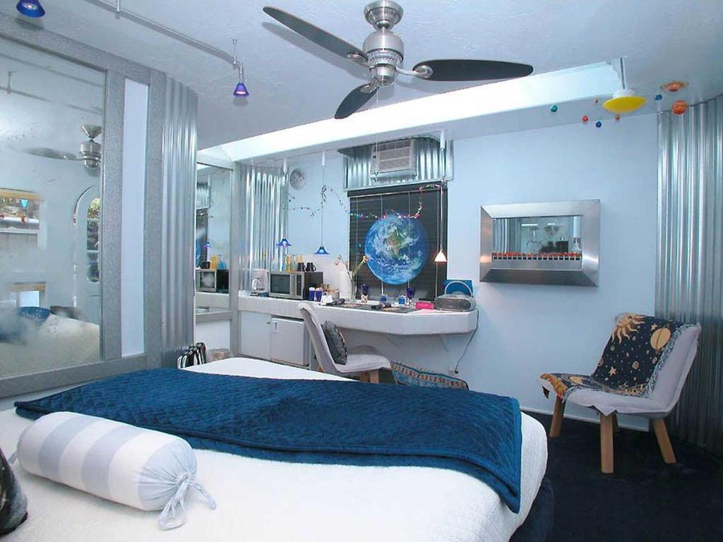 TMPL_V room.name