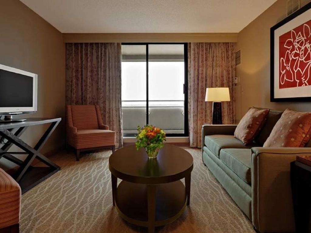 Hilton Chicago Oak Brook Hills Resort & Conference Center – Oak ...