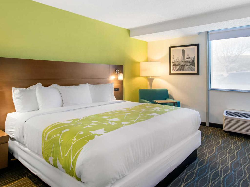 Accessible Double Bed Room Waterfront Hotel The Grand River Hotel