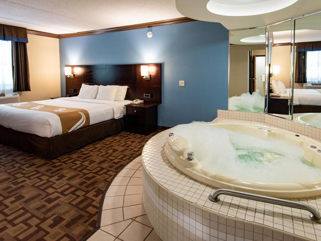 quality inn  suites quakertownallentown official site