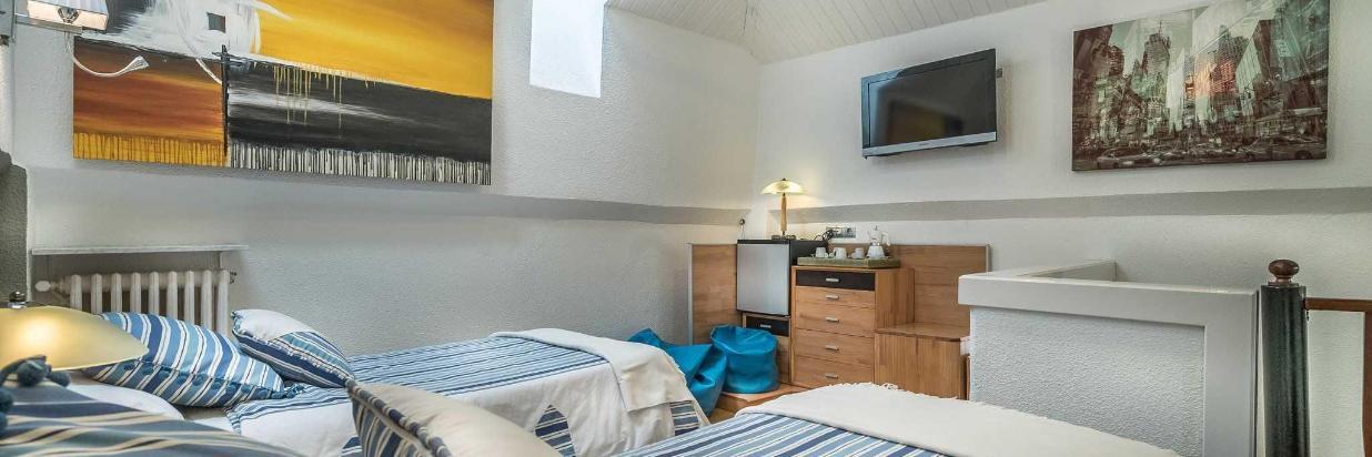 HOTEL BOUTIQUE LAS BRISAS www.hotellasbrisas.net