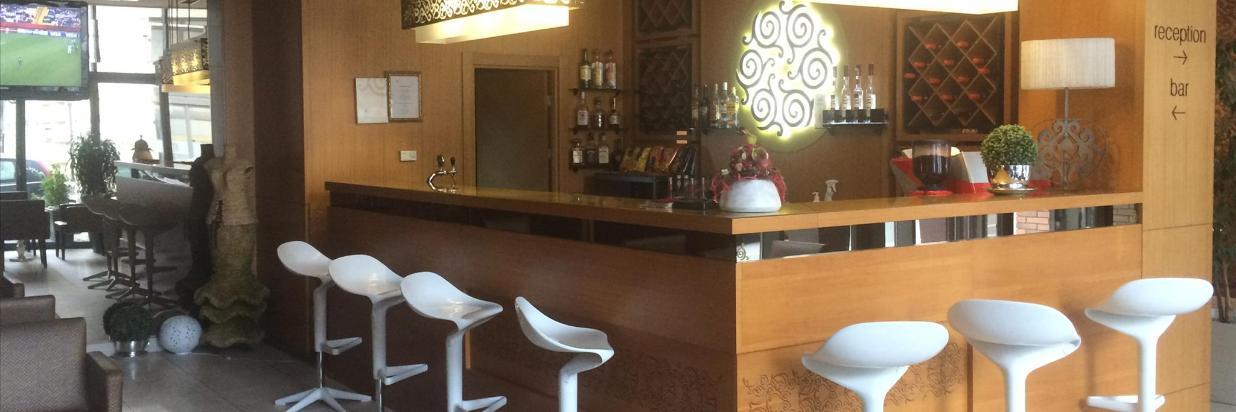 Lobby bár