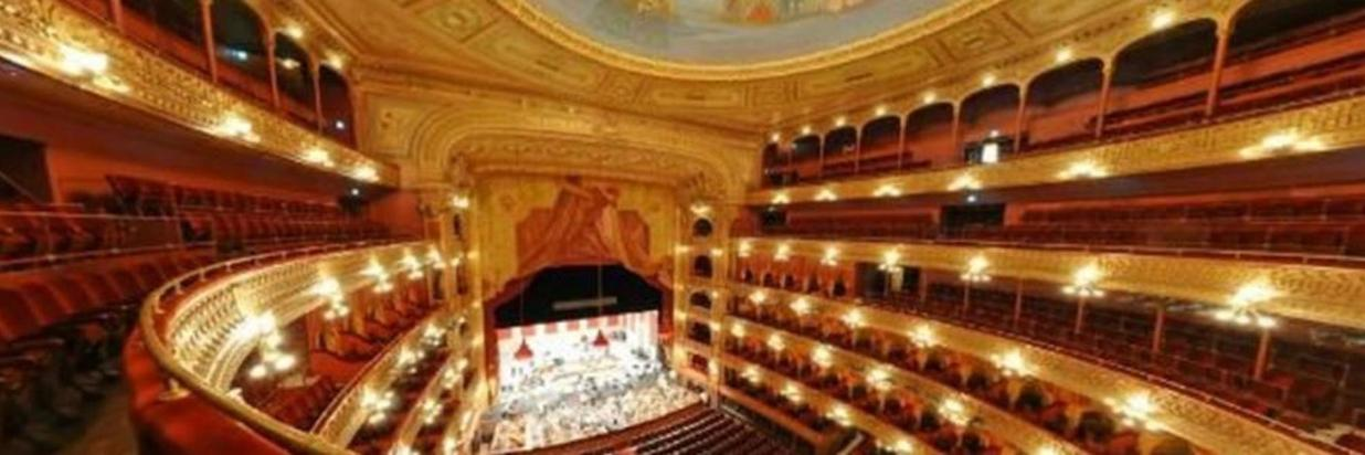On stage productions at Bogotá's Teatro Colón