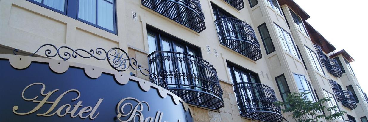 Hotel Ballard Info