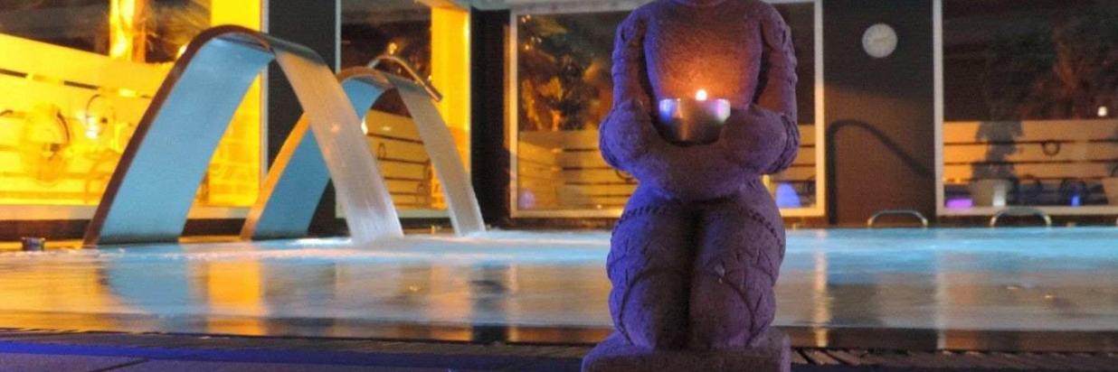 buddha-pool-innen-1.jpg