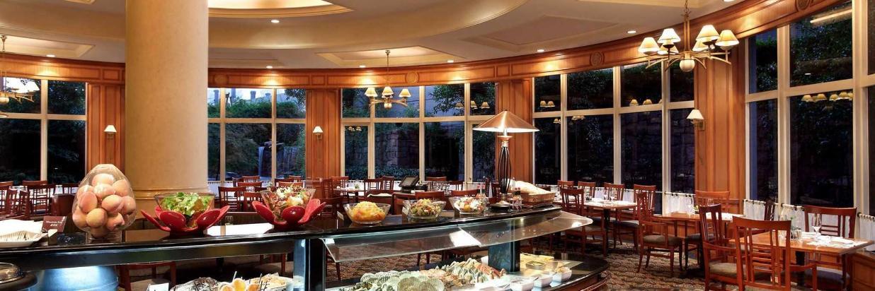 Cafe Bistro_at_Hongqiao Jin Jiang Hotel_Shanghai