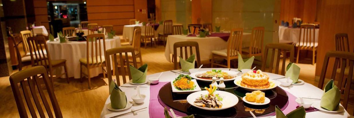 ภาพห้องอาหารจีนกลางคืน