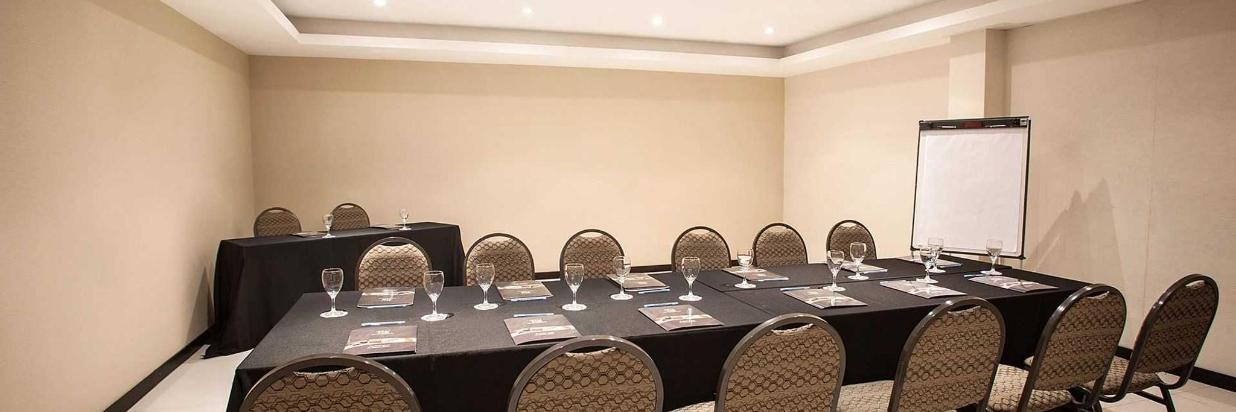 hr-luxor-hotel-buenos-aires-sal-n-de-eventos-011.jpg