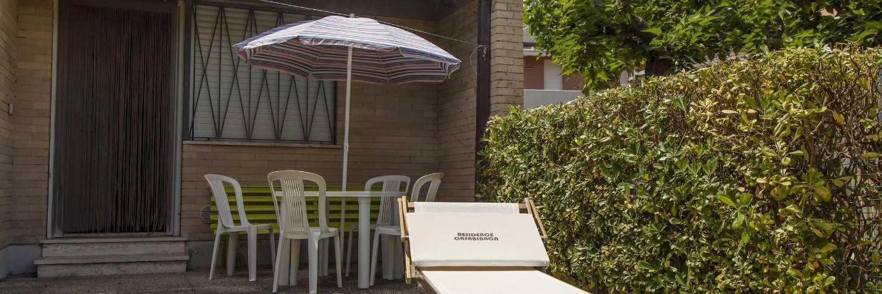 Giardino e patio bungalow.jpg