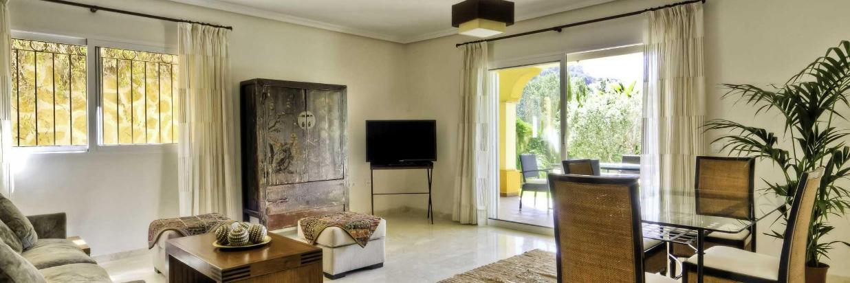 lounge-004-1.jpg