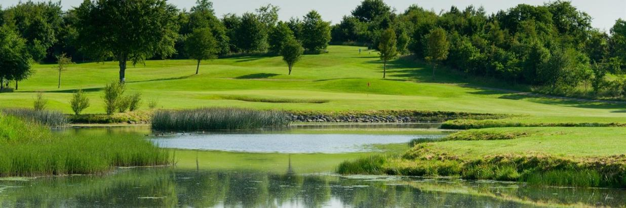 2 Nights Bed & Breakfast With A Round Of Golf