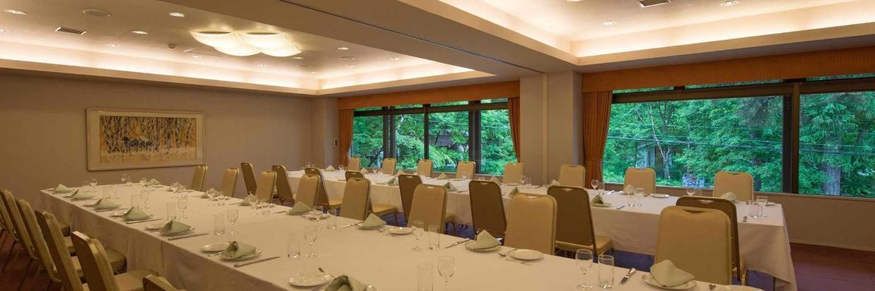 banquet-room.jpg