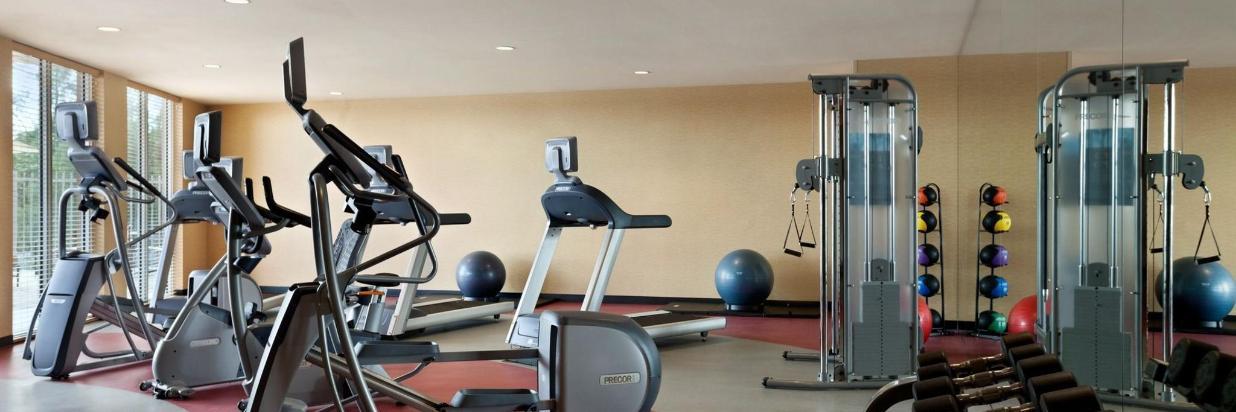 fitness-room-919646.jpg