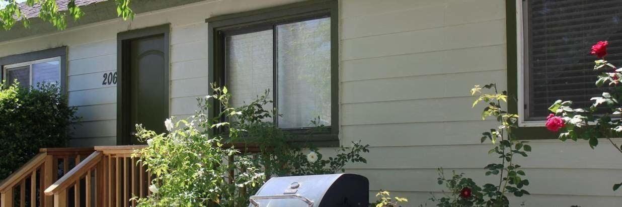 el-rancho-bungalow-exterior-1.JPG