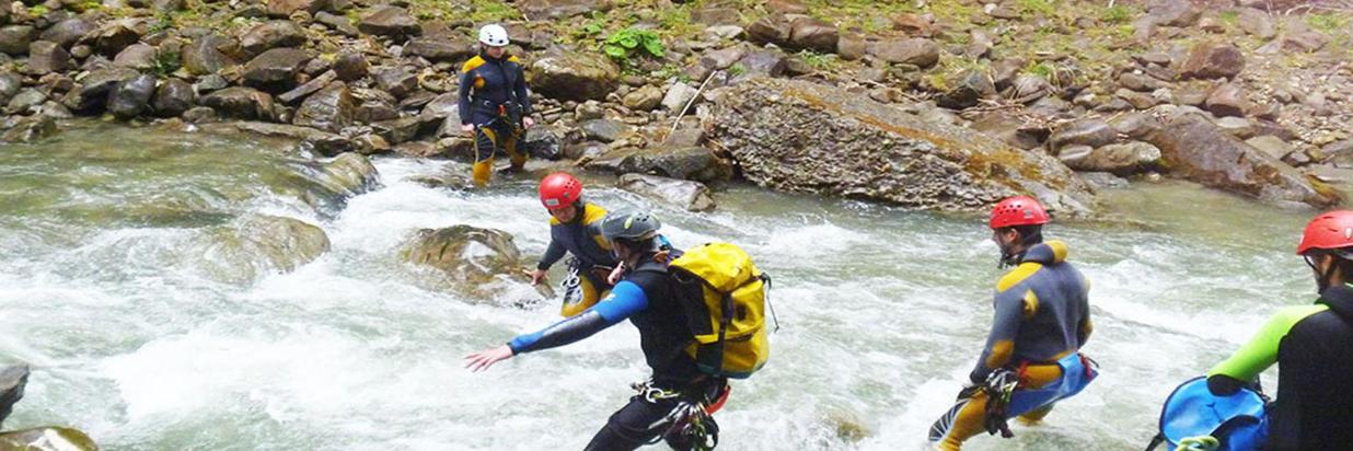 Canyoning_Funny_im_Canyon_Gunzesried-ICO_Oberstdorf_Outdoor.jpg