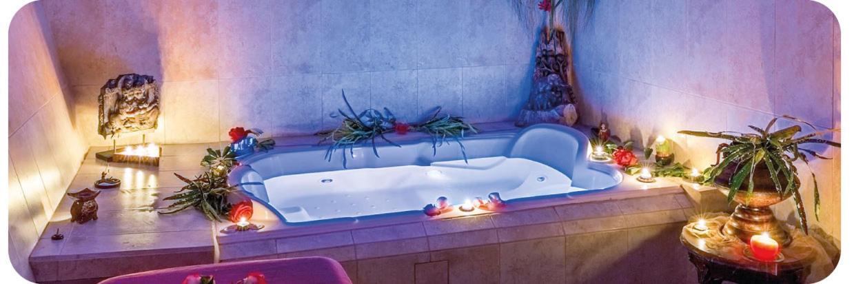 Yumbo-Spa-and-Resort-Hotel-en-Gualea-exotic-magical-night03.jpg