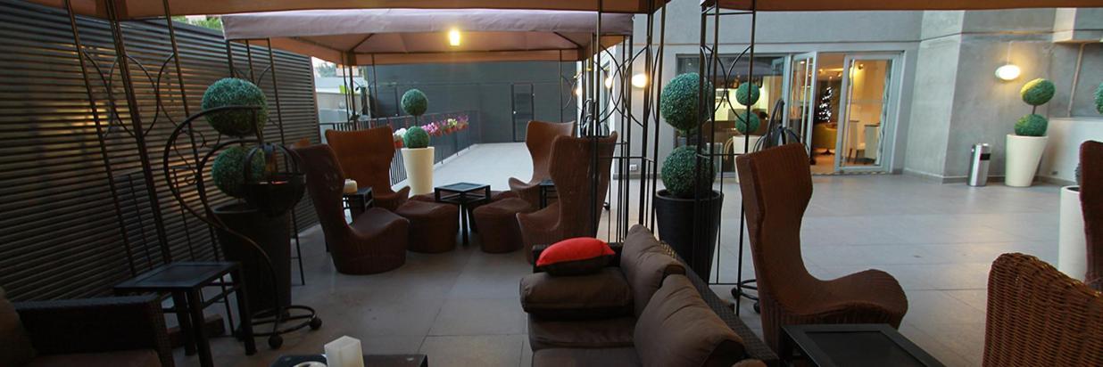 Terrace & Bar