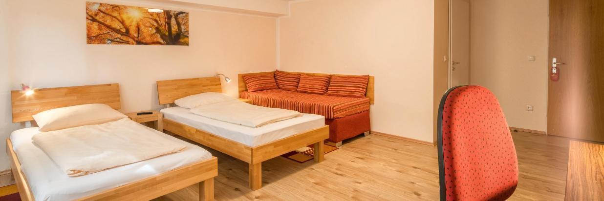 Hotel Bettstadl Dopelzimmer-03828-HDR.jpg