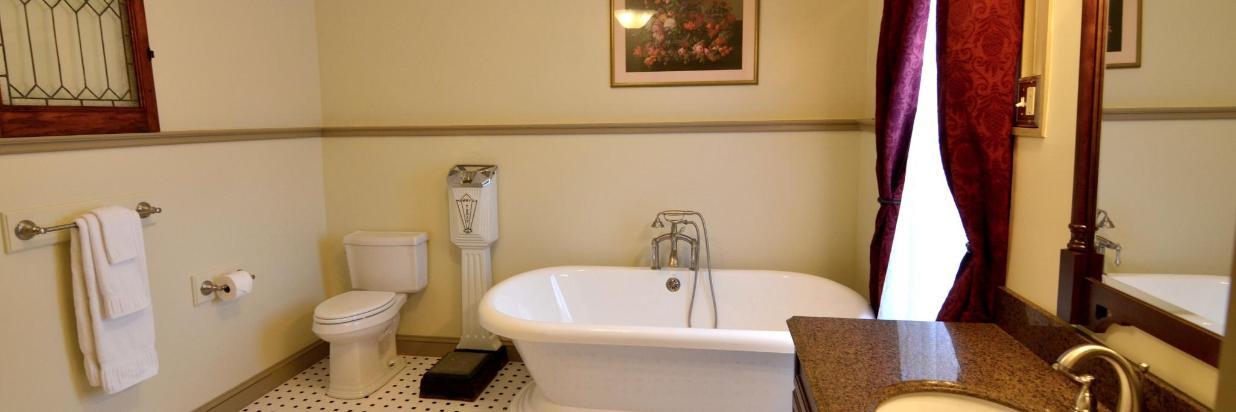 Alexander House Suites