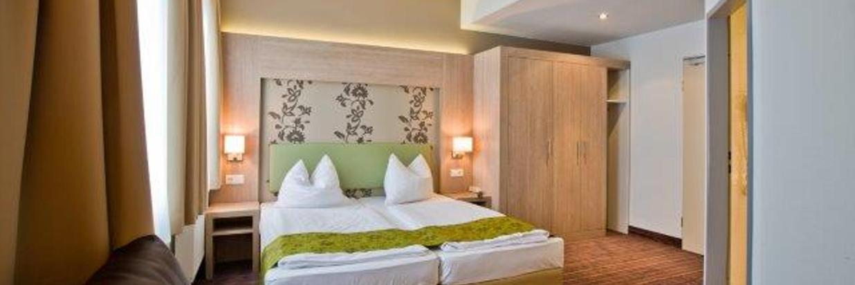 Rathaushotels-Comfort-Zimmer (3).jpg