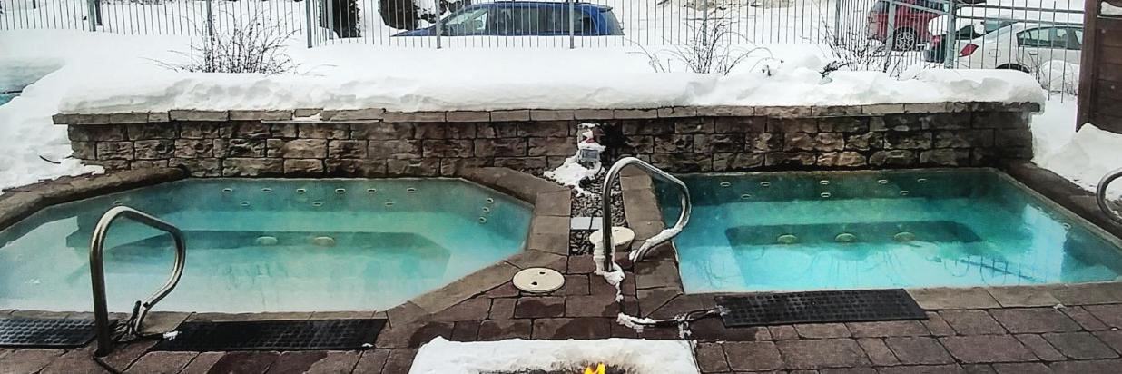 Foyer et bains chauds hiver (3).jpg