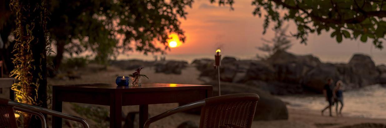 TheBeachRestaurant_dusk_02.JPG