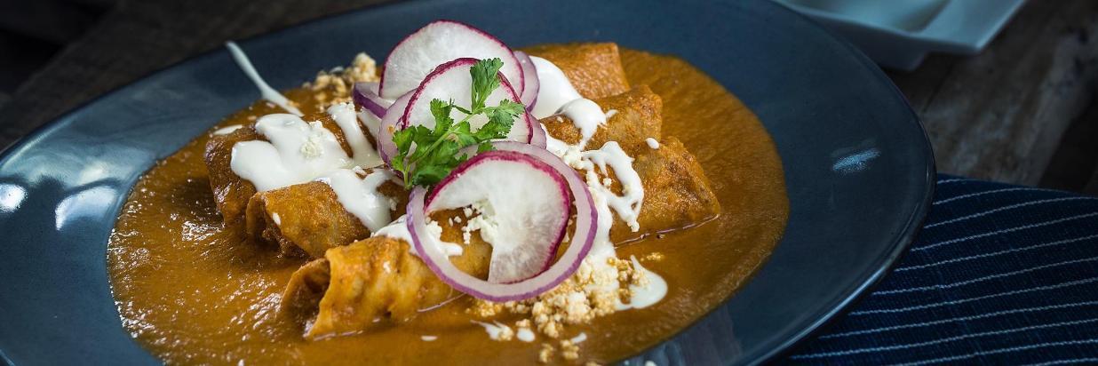 """Cuernavaca.   20. Disfruta de una memorable cenaromántica en House Restaurante: """"El spot más romántico de Cuernavaca"""". En Las Casas B+B Boutique Hotel, Spa & Restaurante."""