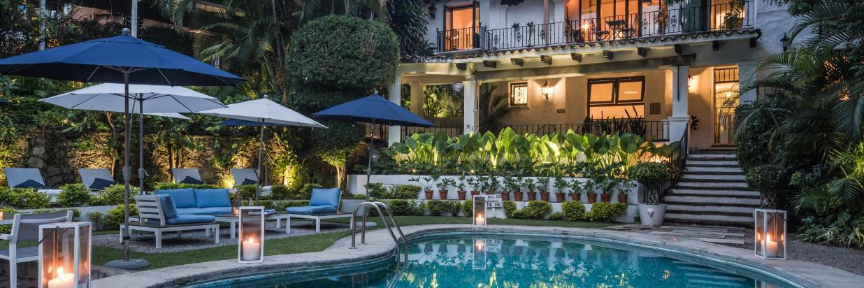 Perfect location in downtown. a few walking steps from the iconic Palace Of Hernan Cortes. Las Casas B+B Boutique Hotel, Spa & Restaurant. The best boutique bed and breakfast hotel in Cuernavaca