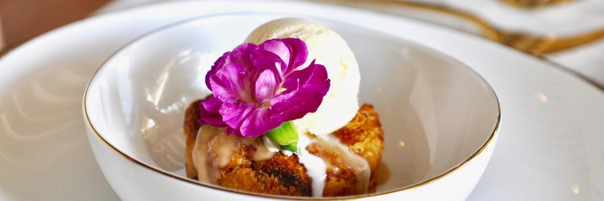 """House Restaurante """"El lugar más romántico del centro de Cuernavaca."""" En el interior de Las Casas B+B Boutique Hotel, Spa& Restaurante."""