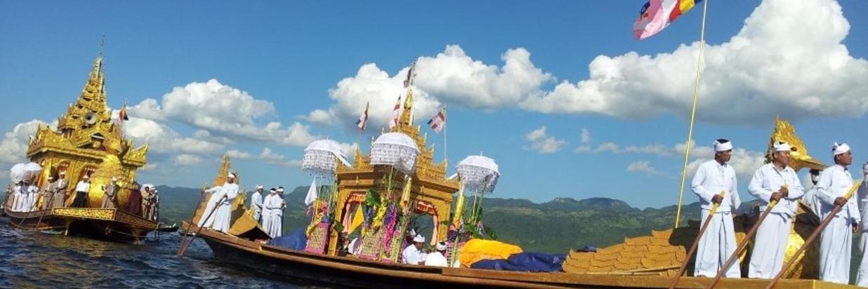 Phaung-Daw-Oo-Pagoda-Festival-880.jpg