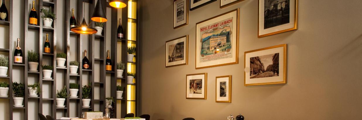 Slon 1552 Restaurant corner view.jpg