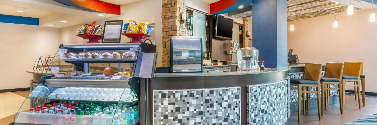 fla82restaurant2.jpg
